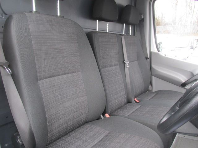2016 Mercedes-Benz Sprinter 314 CDi MWB High Roof 3.5T Van (KU16MVW) Image 8