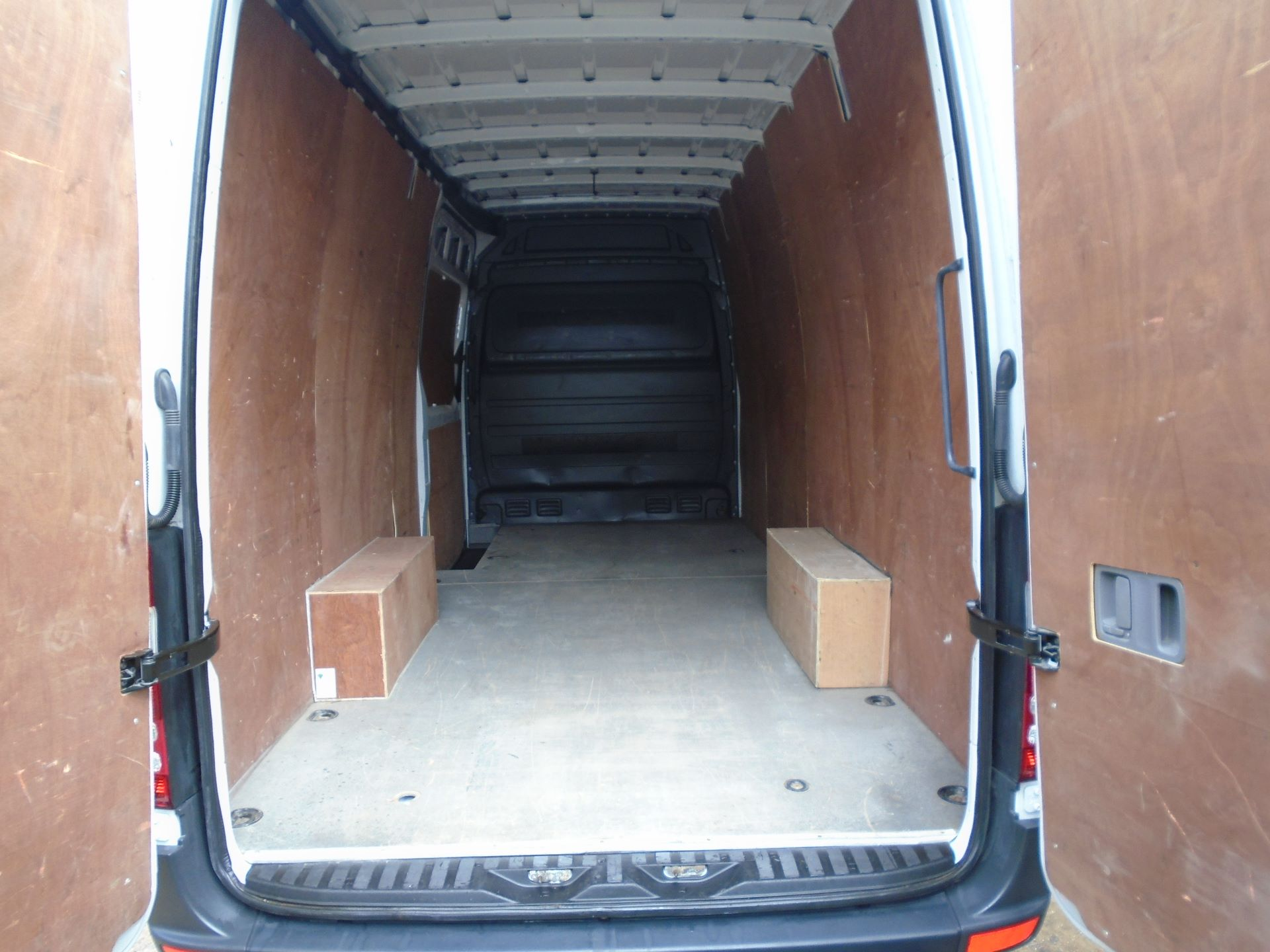 2016 Mercedes-Benz Sprinter 3.5T High Roof Van EURO 5 (KU16MXH) Image 5