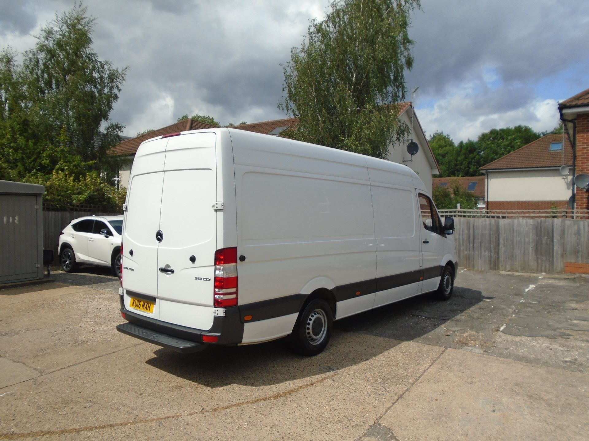 2016 Mercedes-Benz Sprinter 3.5T High Roof Van EURO 5 (KU16MXH) Image 3