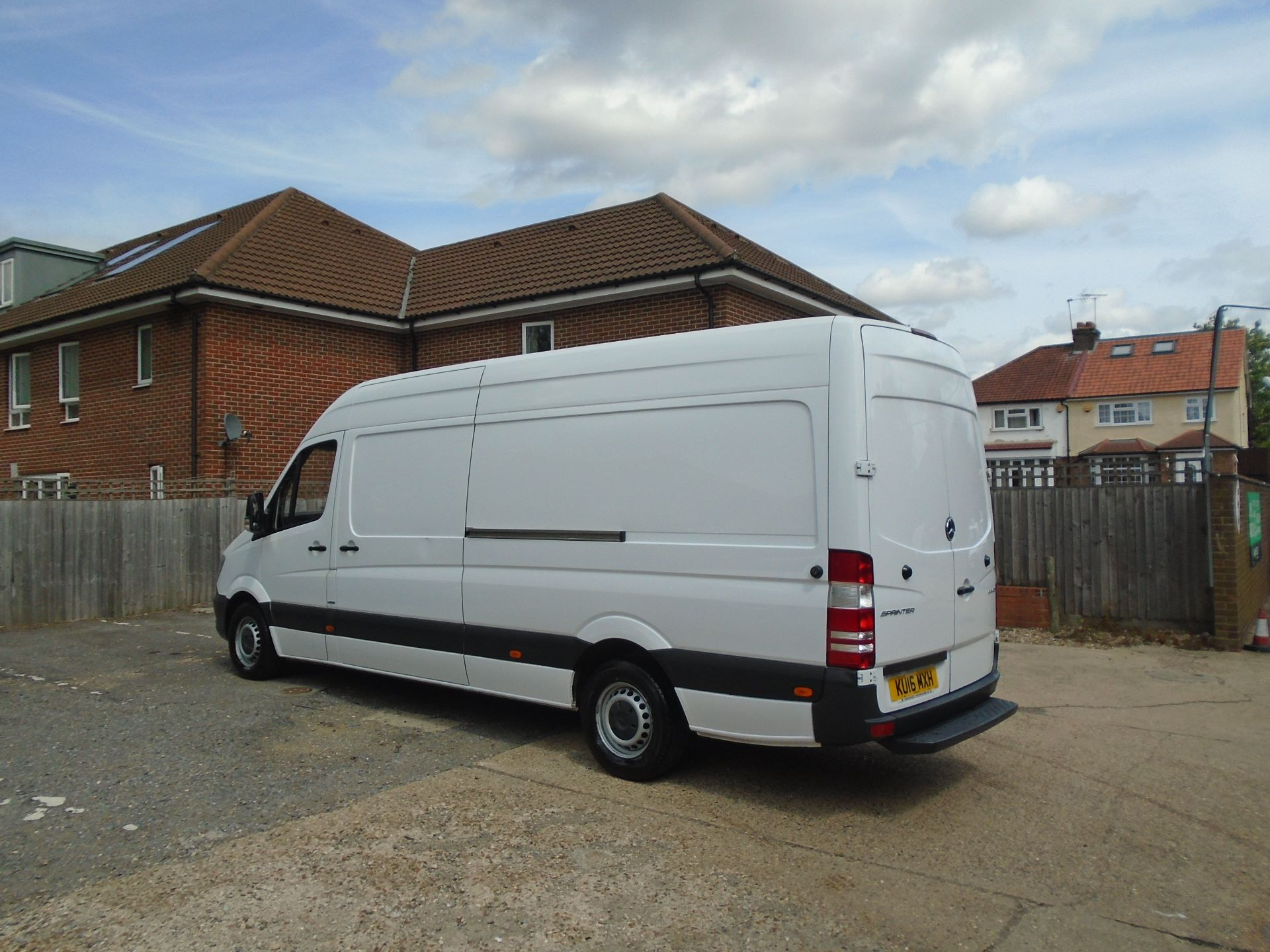 2016 Mercedes-Benz Sprinter 3.5T High Roof Van EURO 5 (KU16MXH) Image 9