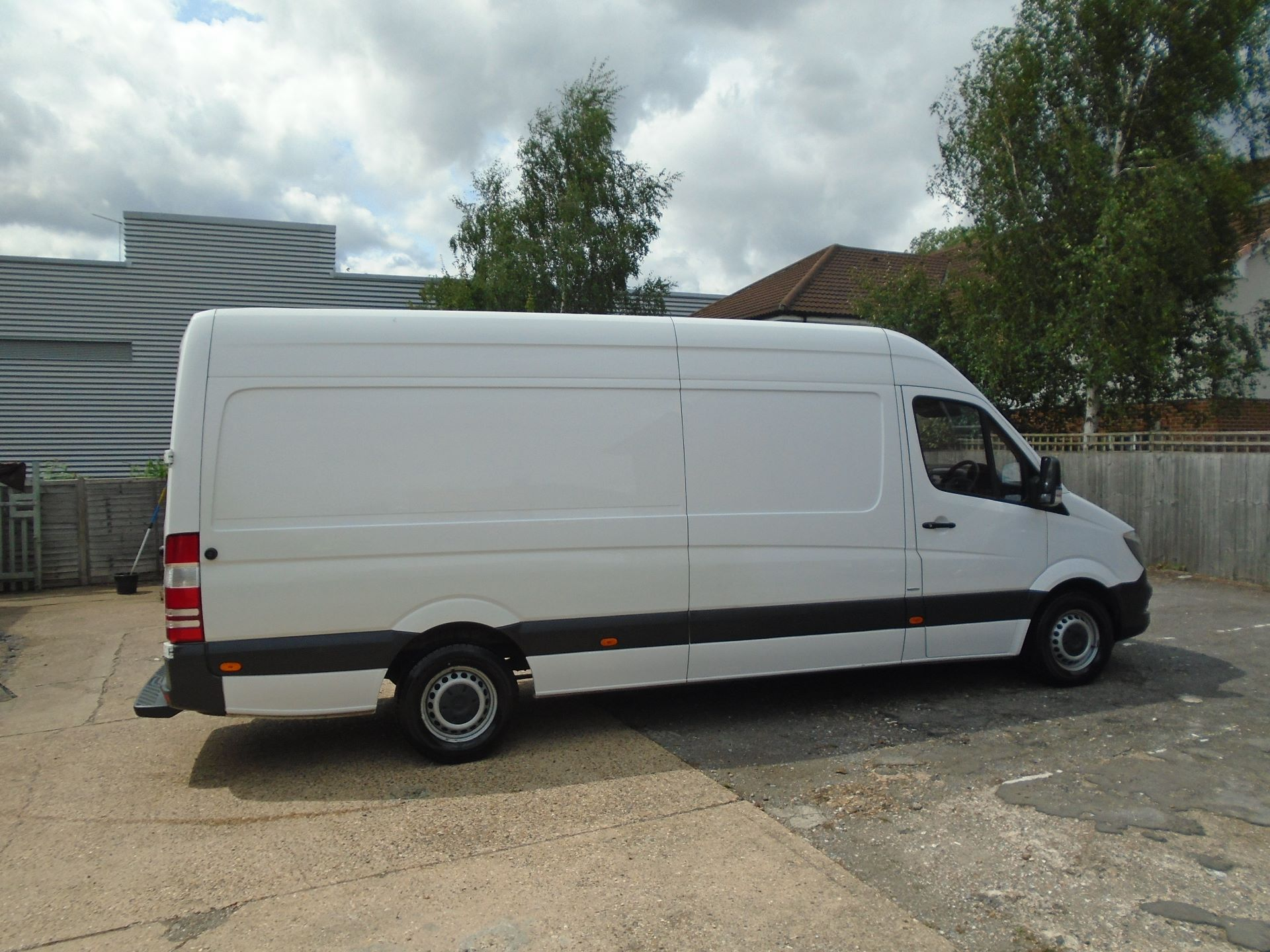 2016 Mercedes-Benz Sprinter 3.5T High Roof Van EURO 5 (KU16MXH) Image 4