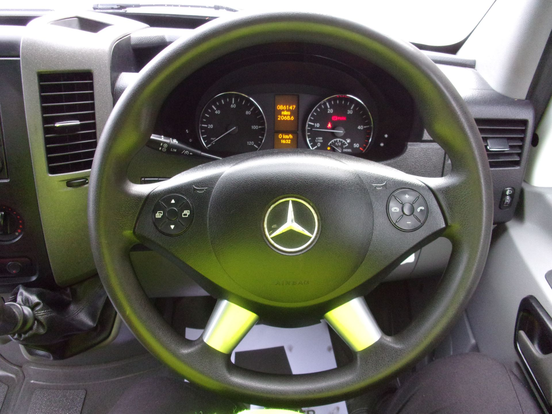 2017 Mercedes-Benz Sprinter 314 CDI LWB SINGLE CAB DROPSIDE EURO 6 (KU17HKY) Image 5