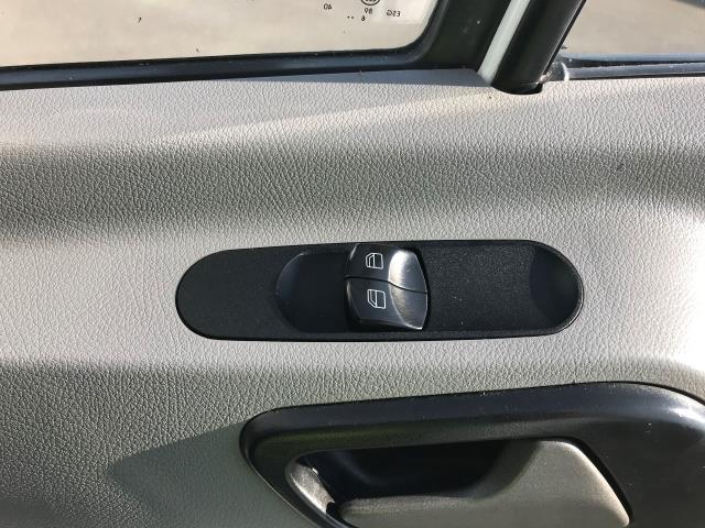 2017 Mercedes-Benz Sprinter 314 CDI 3.5T TIPPER CREW CAB 140PS EURO 6 (KU17HMV) Image 24