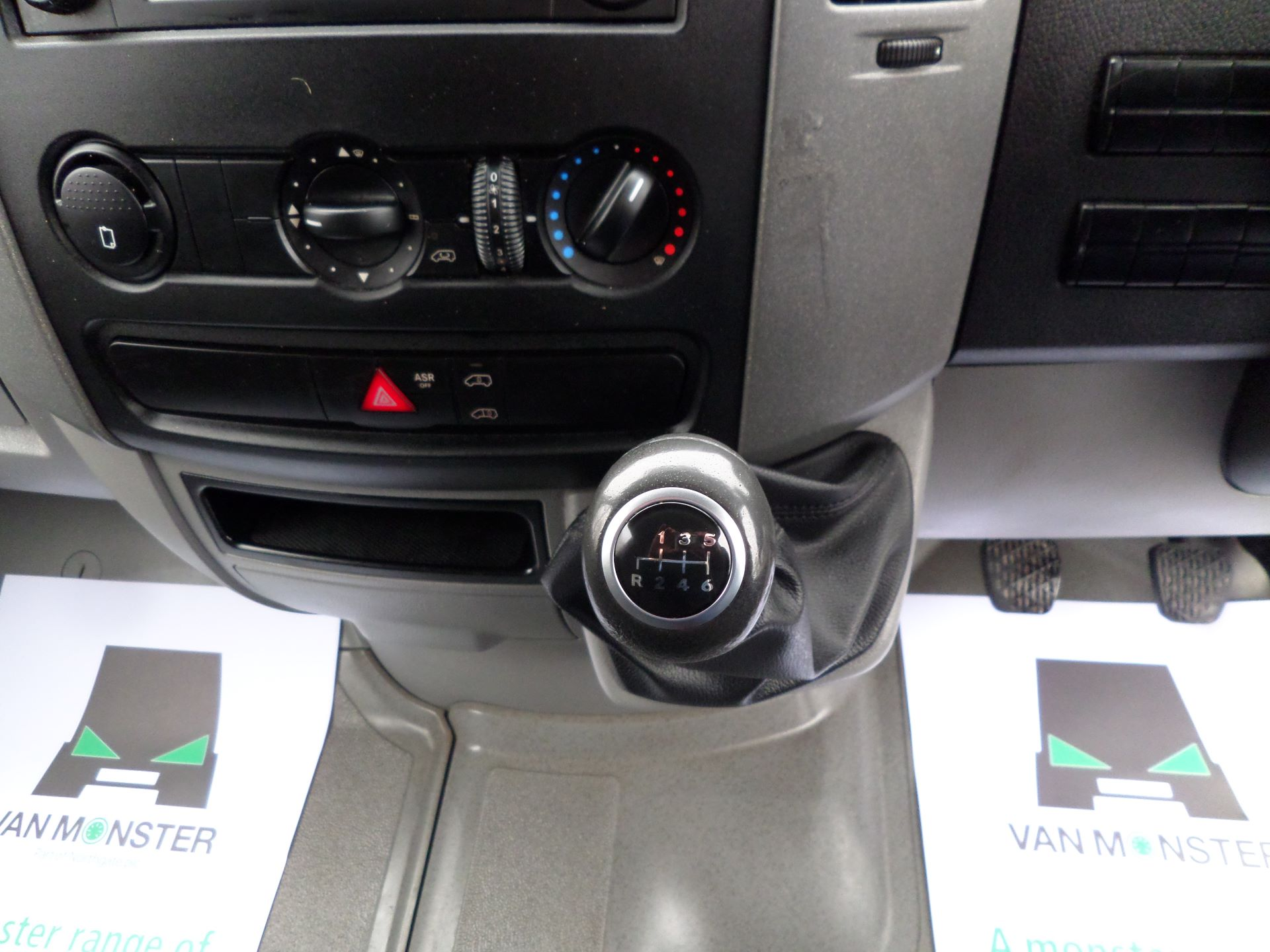 2017 Mercedes-Benz Sprinter 314 MWB Euro 6 (KV17FYZ) Image 14