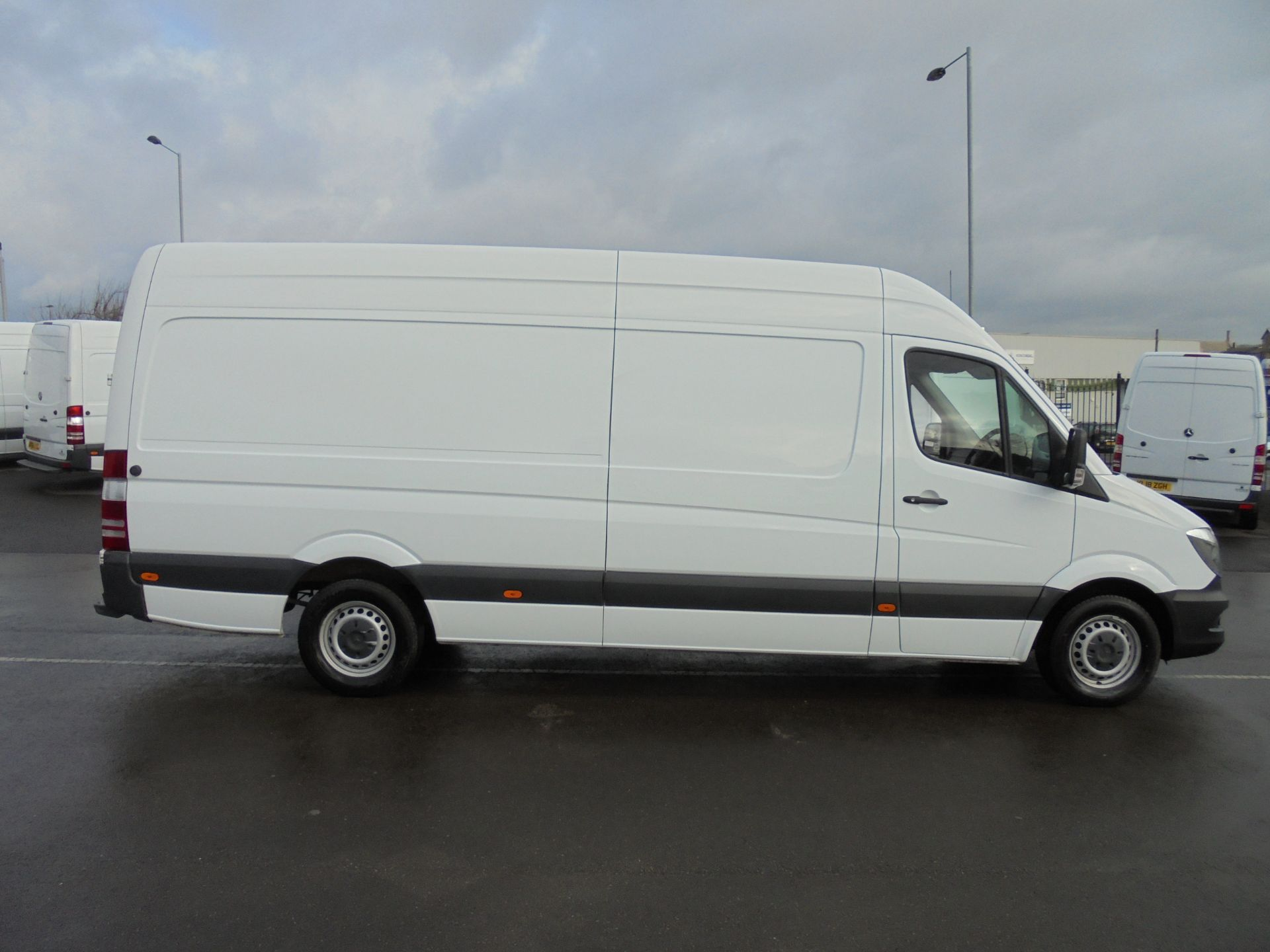 2017 Mercedes-Benz Sprinter 314 CDI 3.5T High Roof Van (KV17GCX) Image 8