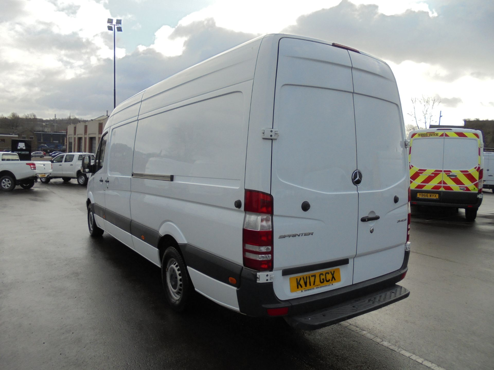2017 Mercedes-Benz Sprinter 314 CDI 3.5T High Roof Van (KV17GCX) Image 5