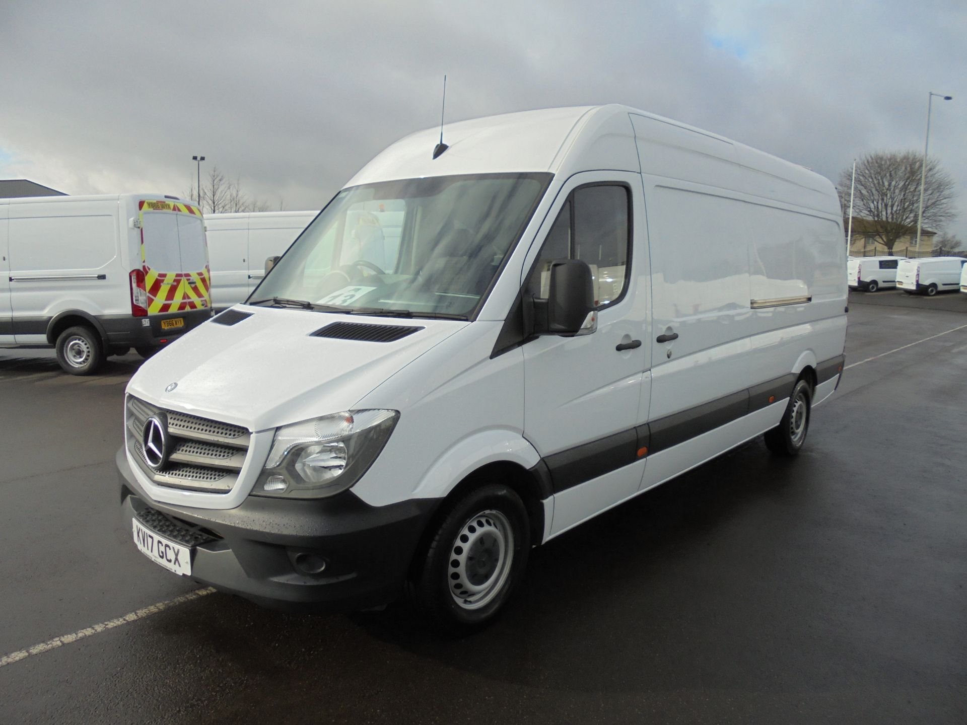 2017 Mercedes-Benz Sprinter 314 CDI 3.5T High Roof Van (KV17GCX) Image 3