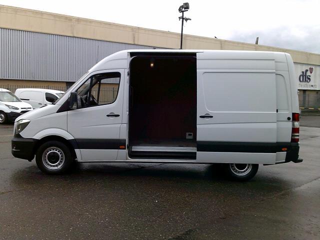 2018 Mercedes-Benz Sprinter 3.5T High Roof Van (KV18WLD) Image 21
