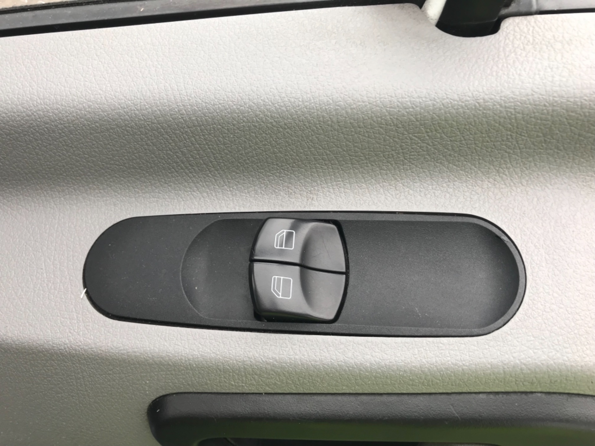2017 Mercedes-Benz Sprinter  314 LWB H/R VAN EURO 6 (KW17HZA) Image 17