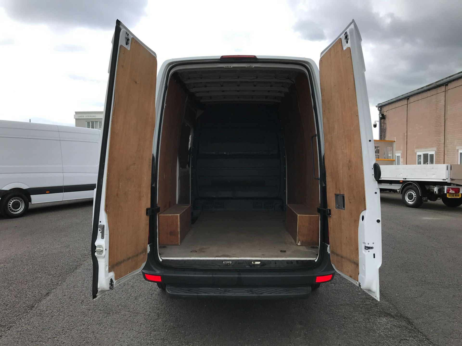 2017 Mercedes-Benz Sprinter 314CDI MWB HIGH ROOF 140PS EURO 6 (KW17HZX) Image 18