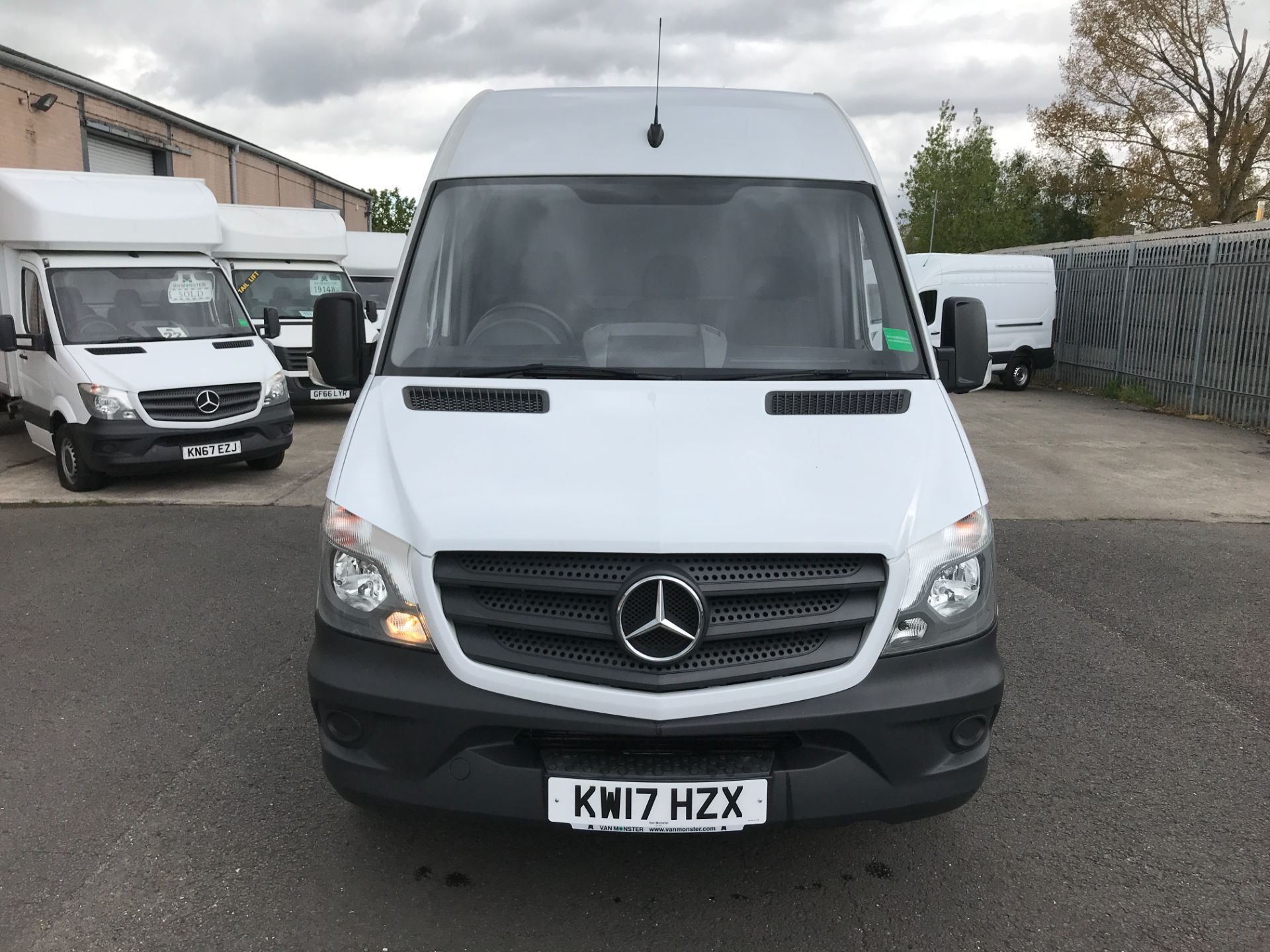2017 Mercedes-Benz Sprinter 314CDI MWB HIGH ROOF 140PS EURO 6 (KW17HZX) Image 16