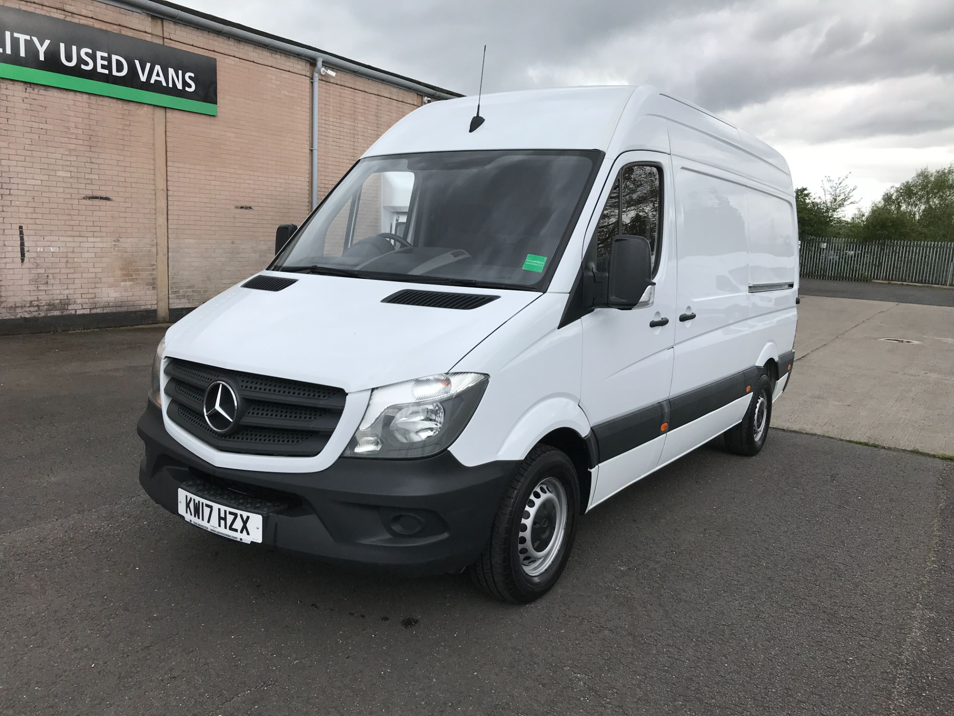 2017 Mercedes-Benz Sprinter 314CDI MWB HIGH ROOF 140PS EURO 6 (KW17HZX) Image 2