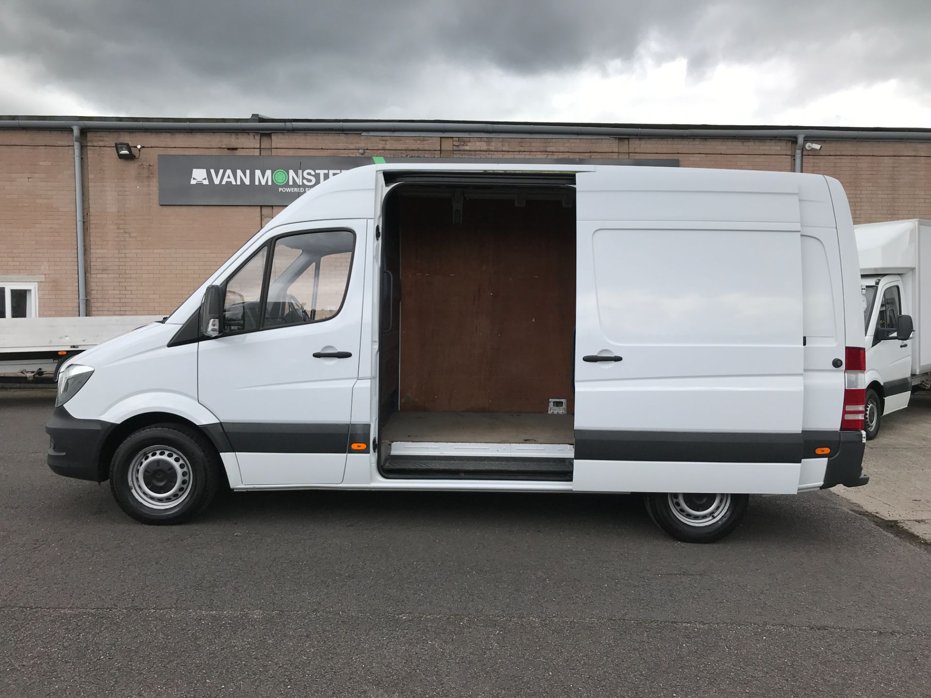 2017 Mercedes-Benz Sprinter 314CDI MWB HIGH ROOF 140PS EURO 6 (KW17HZX) Image 7