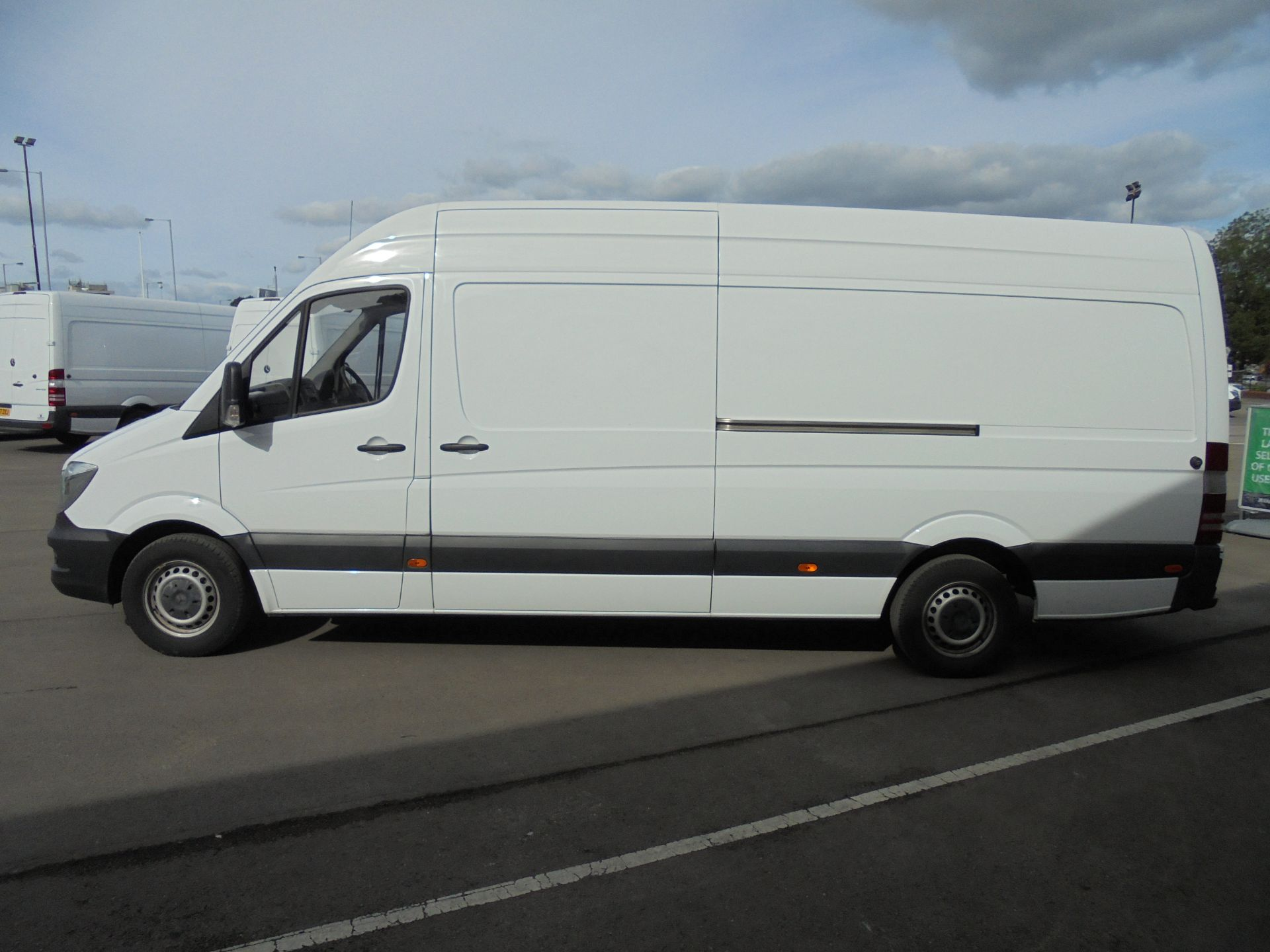 2017 Mercedes-Benz Sprinter 3.5T High Roof Van LWB (KW17JCO) Image 4