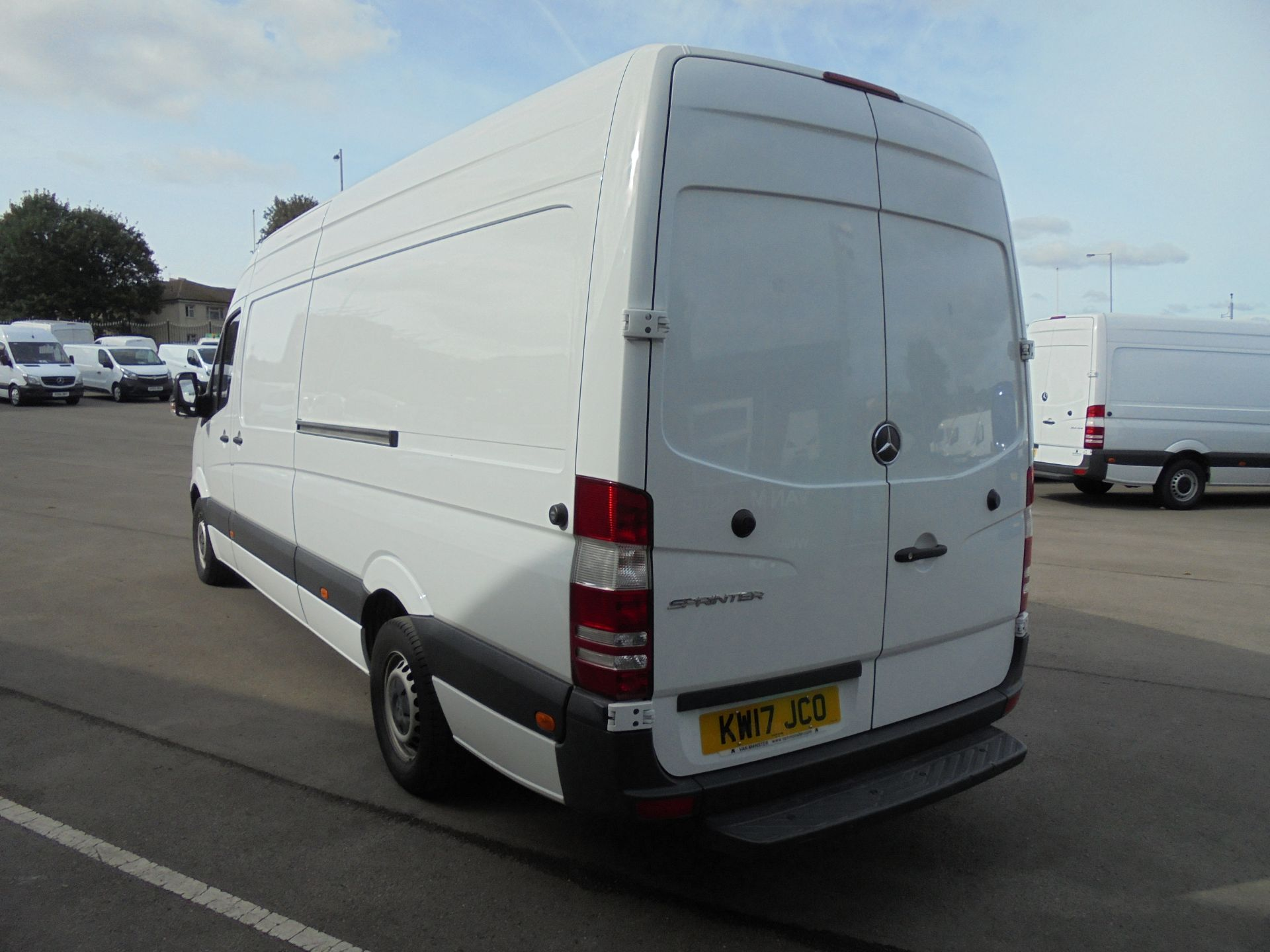 2017 Mercedes-Benz Sprinter 3.5T High Roof Van LWB (KW17JCO) Image 5