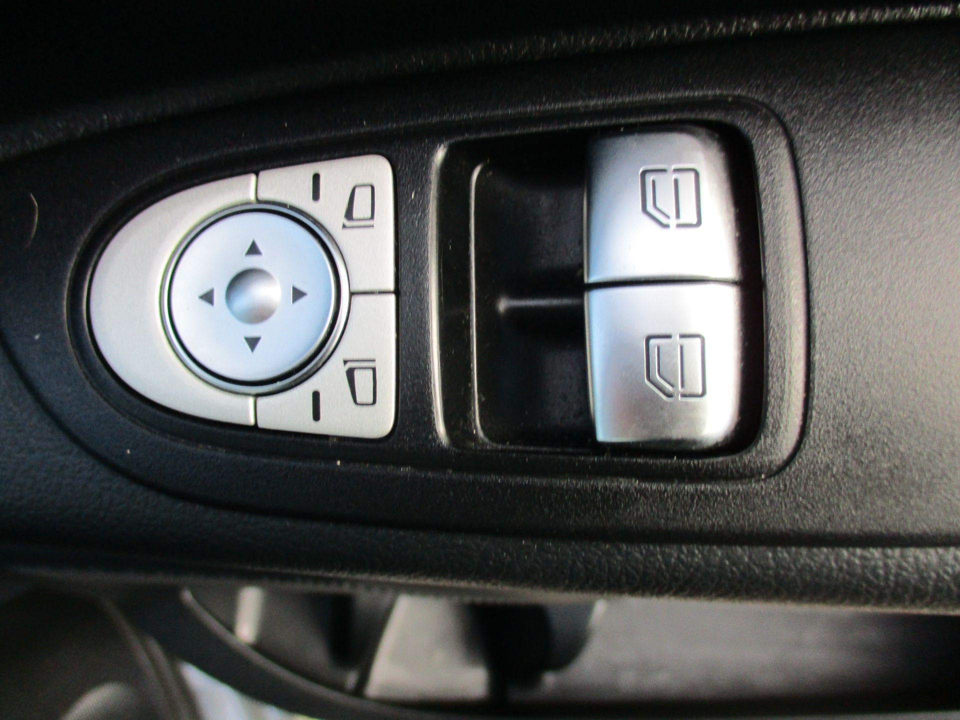 2018 Mercedes-Benz Vito 119 Bluetec Tourer Select (KW18SZO) Image 18