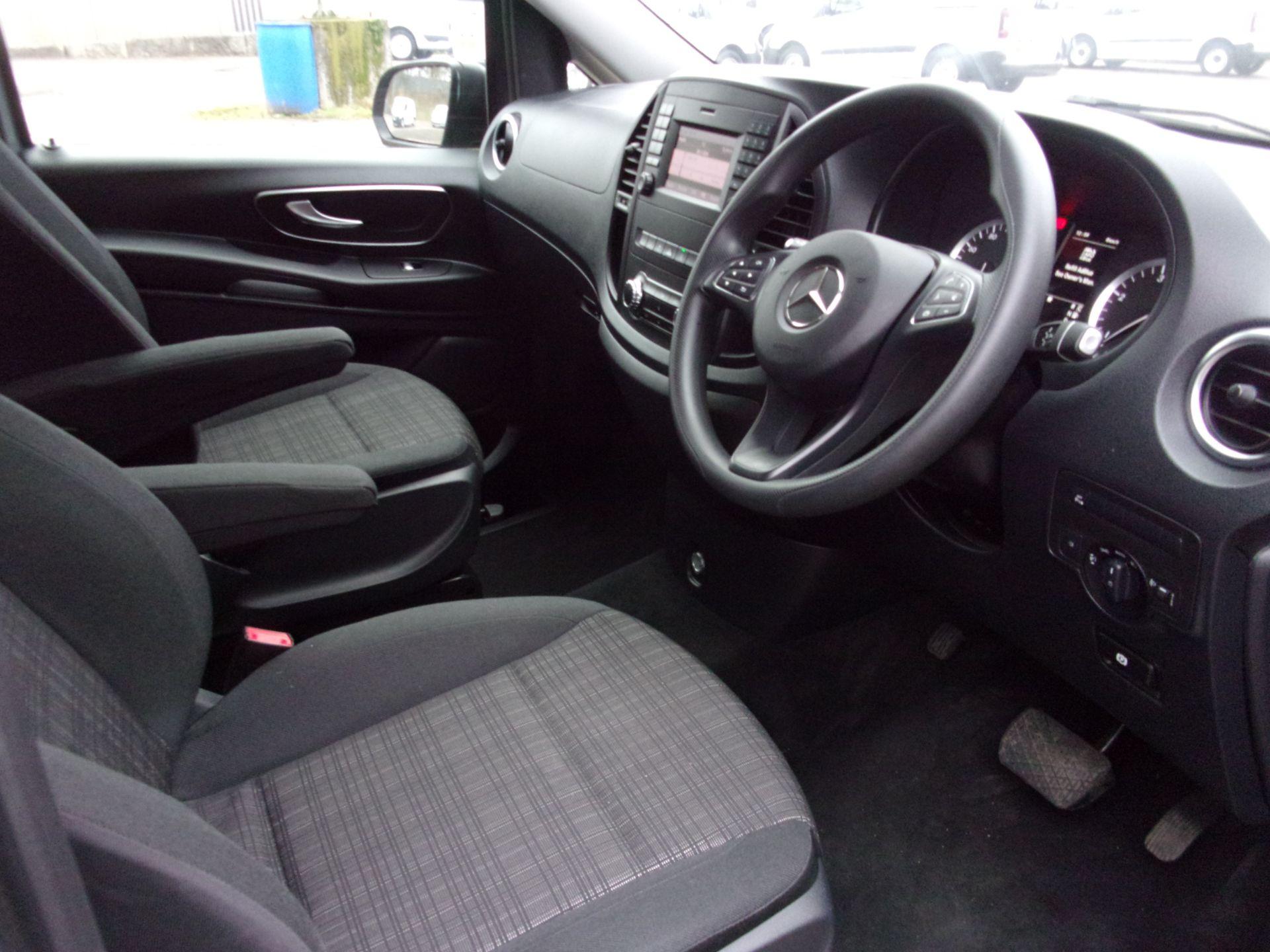 2018 Mercedes-Benz Vito 119 CDI BLUETEC TOURER SELECT AUTO 8 SEAT EURO 6 (KW18SZP) Image 2