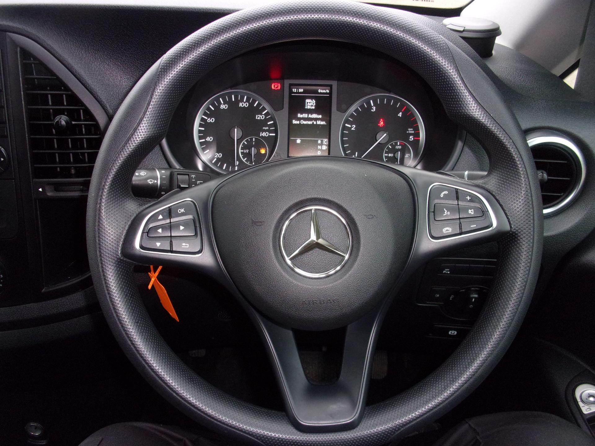 2018 Mercedes-Benz Vito 119 CDI BLUETEC TOURER SELECT AUTO 8 SEAT EURO 6 (KW18SZP) Image 4