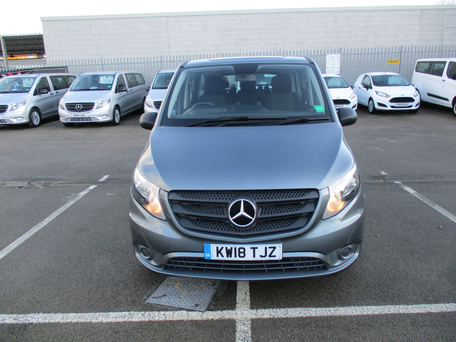 2018 Mercedes-Benz Vito 119 Cdi Select 8-Seater 7G-Tronic (KW18TJZ) Image 11
