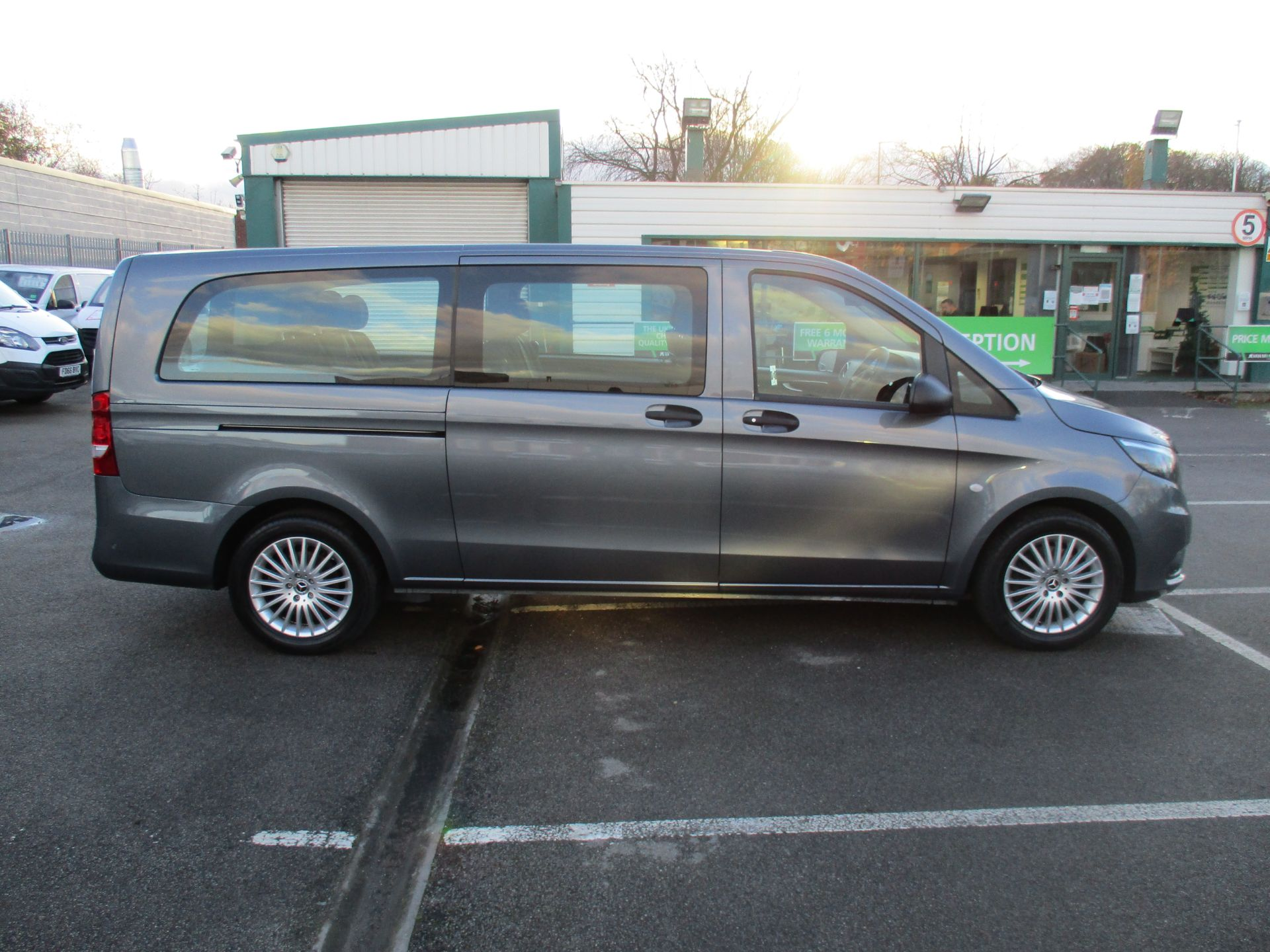 2018 Mercedes-Benz Vito 119 Cdi Select 8-Seater 7G-Tronic (KW18TJZ) Image 2