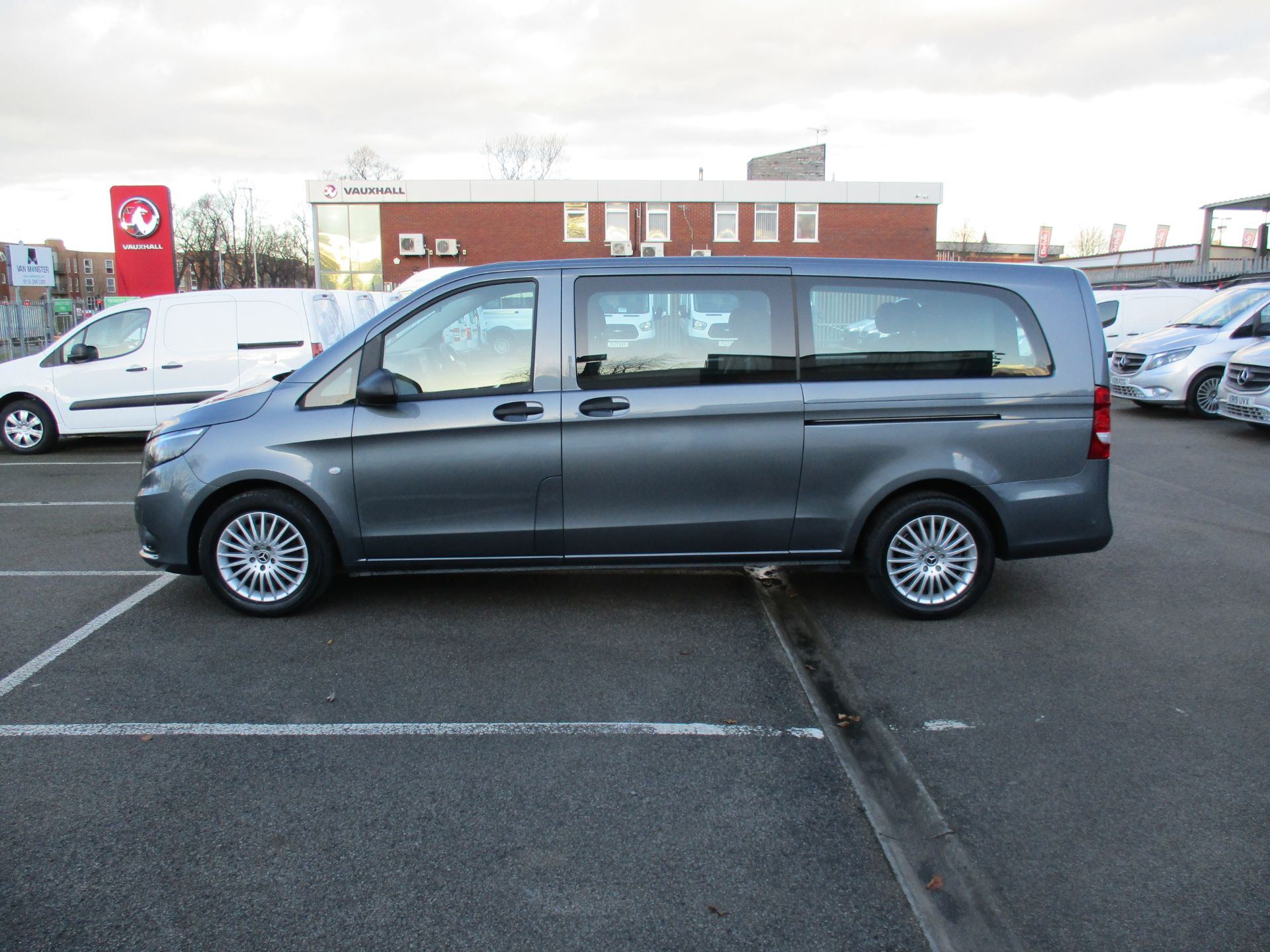 2018 Mercedes-Benz Vito 119 Cdi Select 8-Seater 7G-Tronic (KW18TJZ) Image 8