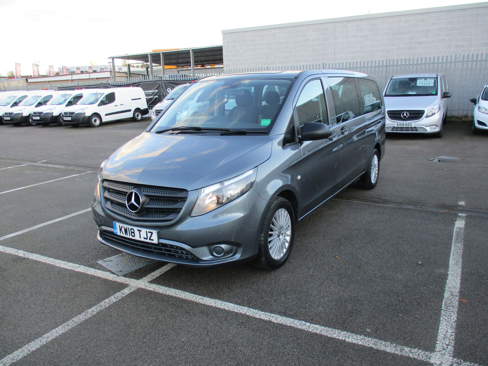 2018 Mercedes-Benz Vito 119 Cdi Select 8-Seater 7G-Tronic (KW18TJZ) Image 10