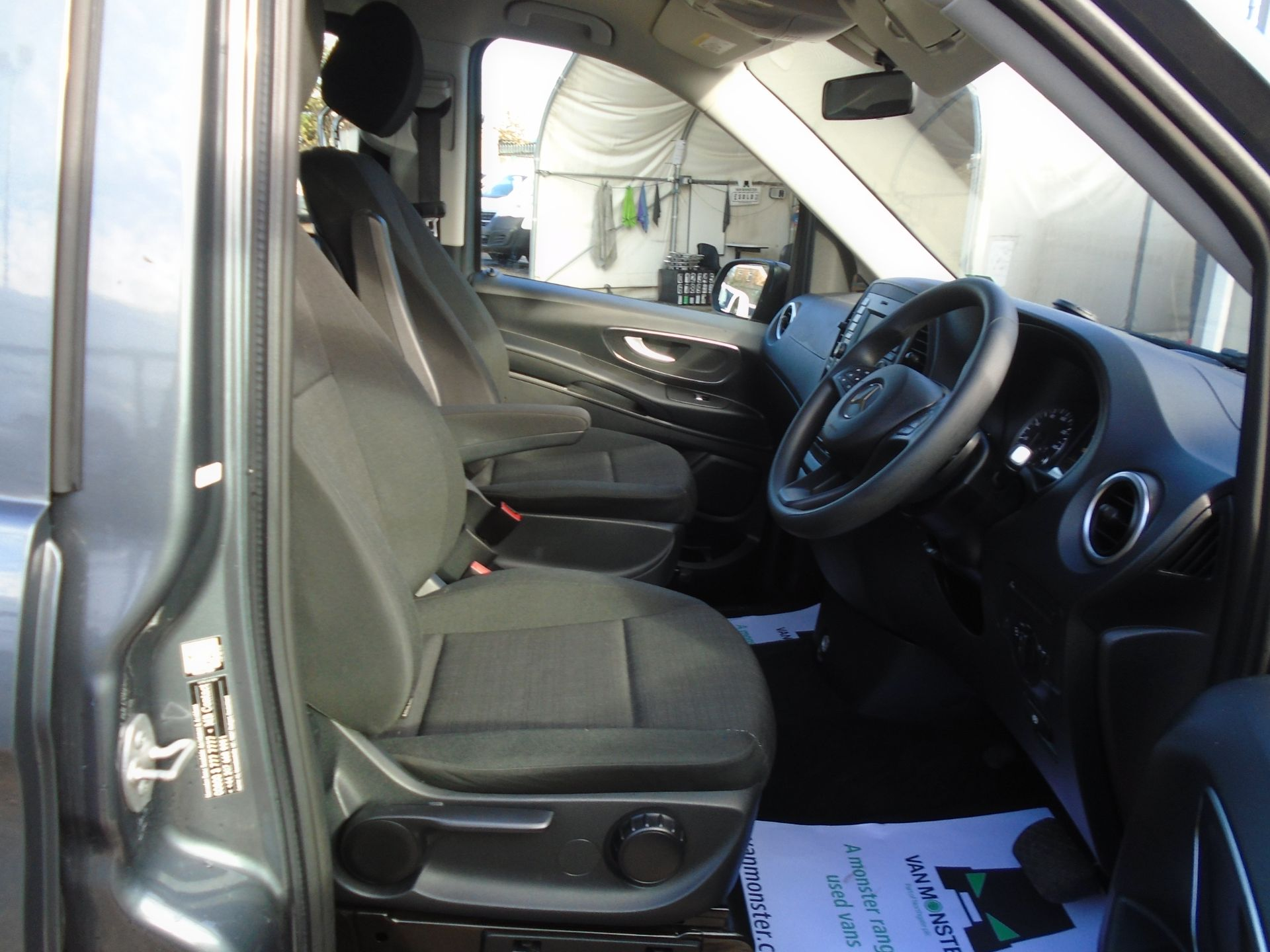 2018 Mercedes-Benz Vito 119 Bluetec Tourer Select EURO 6 (KW18TKU) Image 14