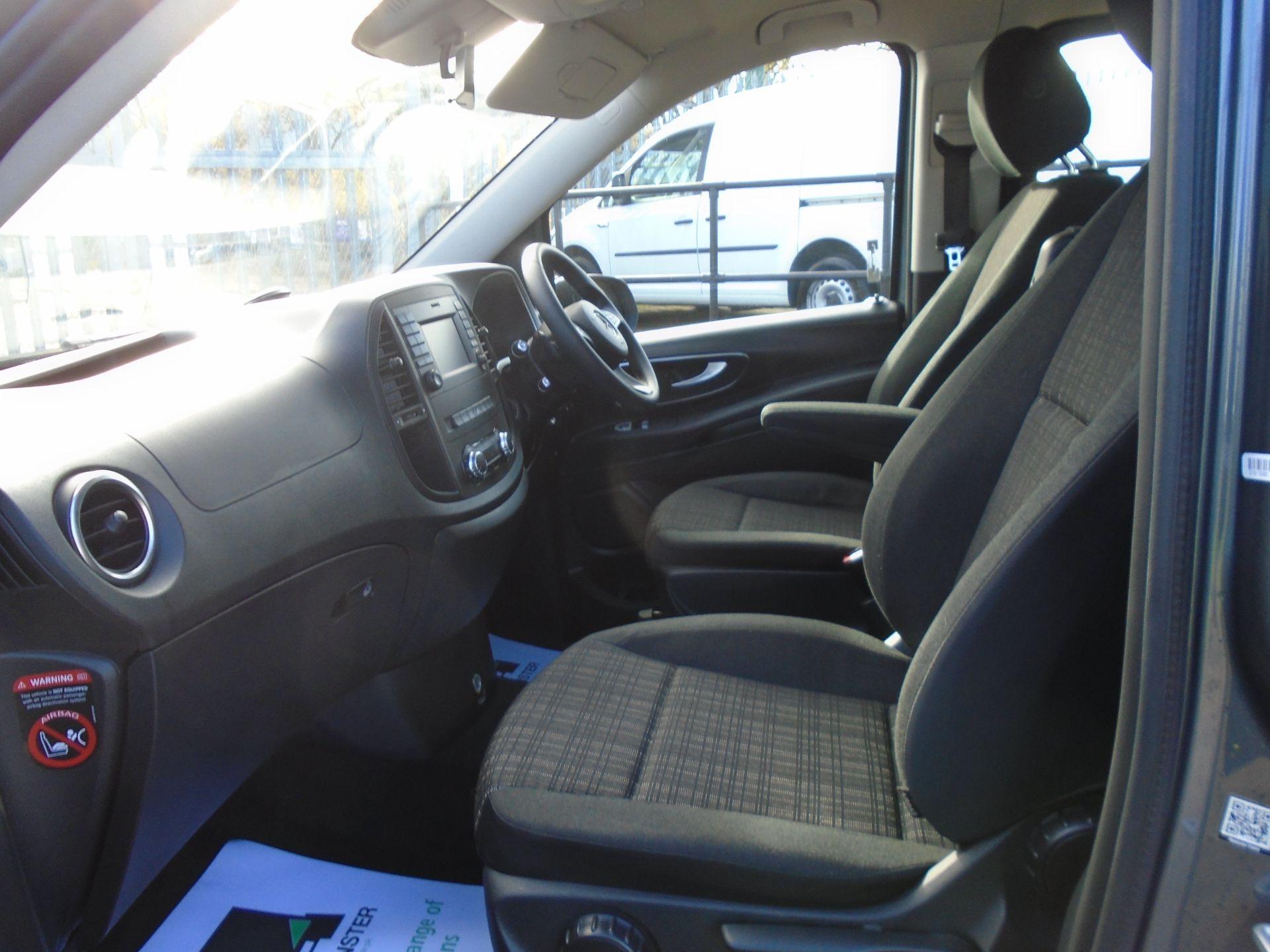 2018 Mercedes-Benz Vito 119 Bluetec Tourer Select EURO 6 (KW18TKU) Image 13