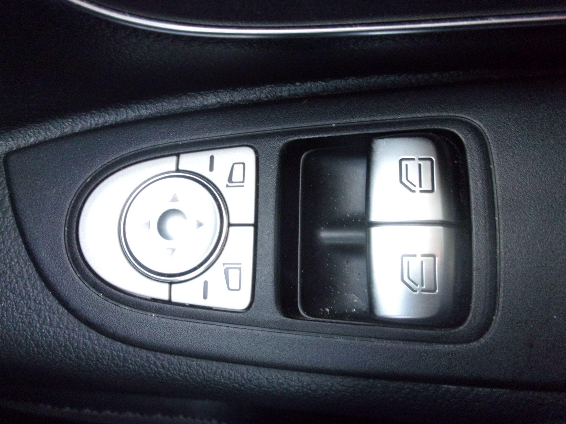 2019 Mercedes-Benz Vito 119 CDI TOURER SELECT 9 SEATER 7G-TRONIC (KW19KKE) Image 8