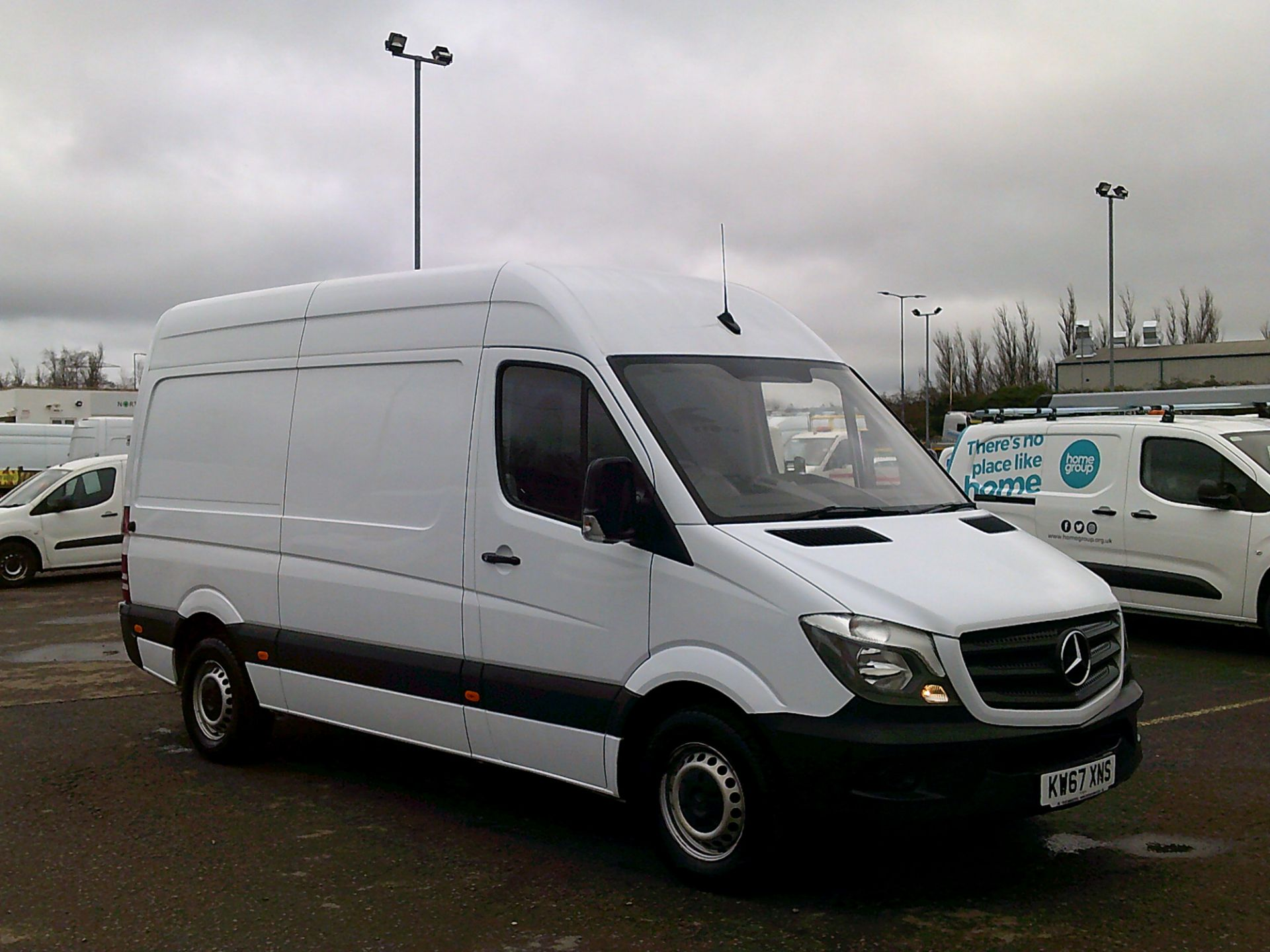 2018 Mercedes-Benz Sprinter 3.5T High Roof Van *SPEED RESTRICTED TO 72 MPH* (KW67XNS) Image 1
