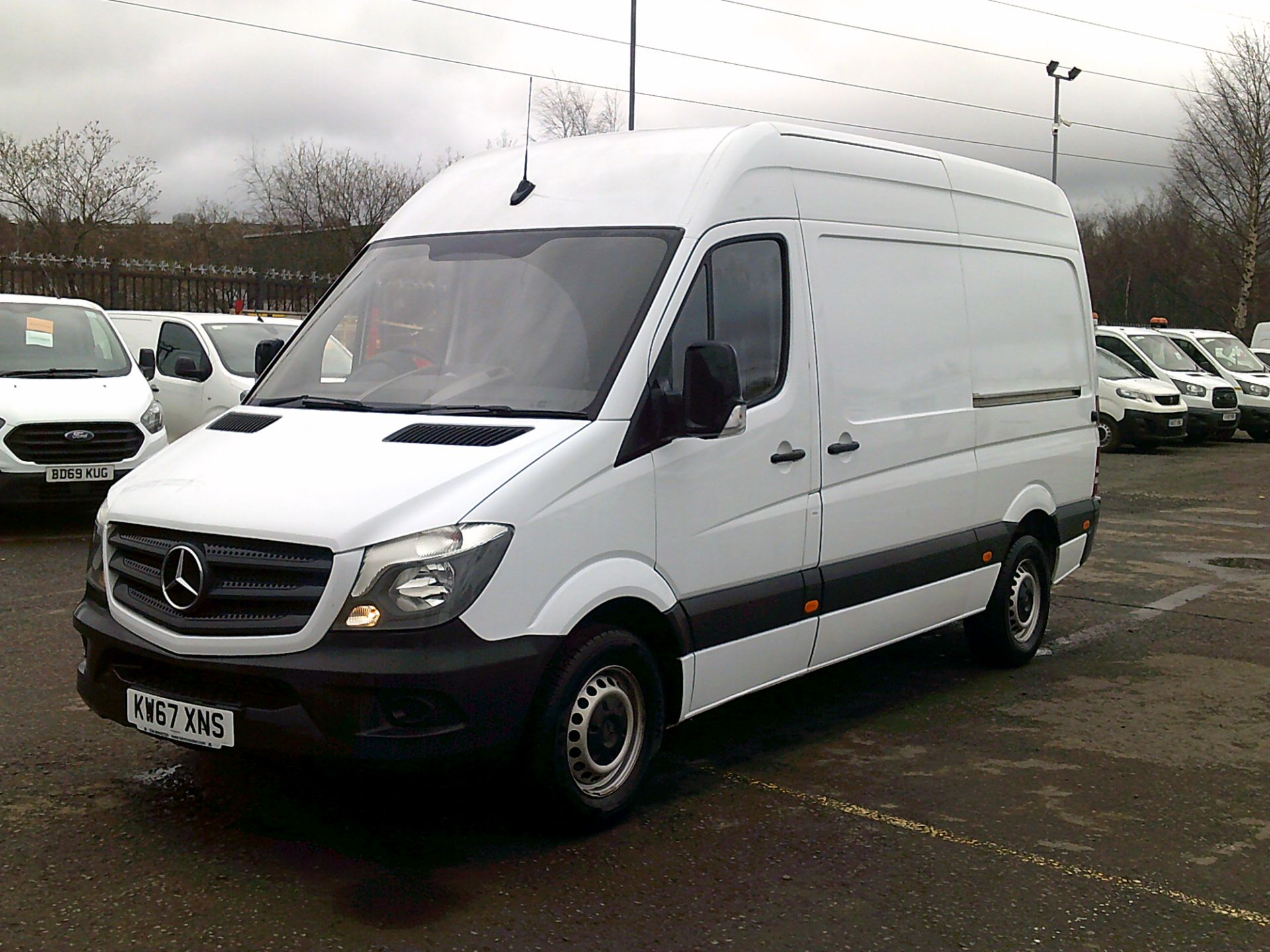 2018 Mercedes-Benz Sprinter 3.5T High Roof Van *SPEED RESTRICTED TO 72 MPH* (KW67XNS) Image 3