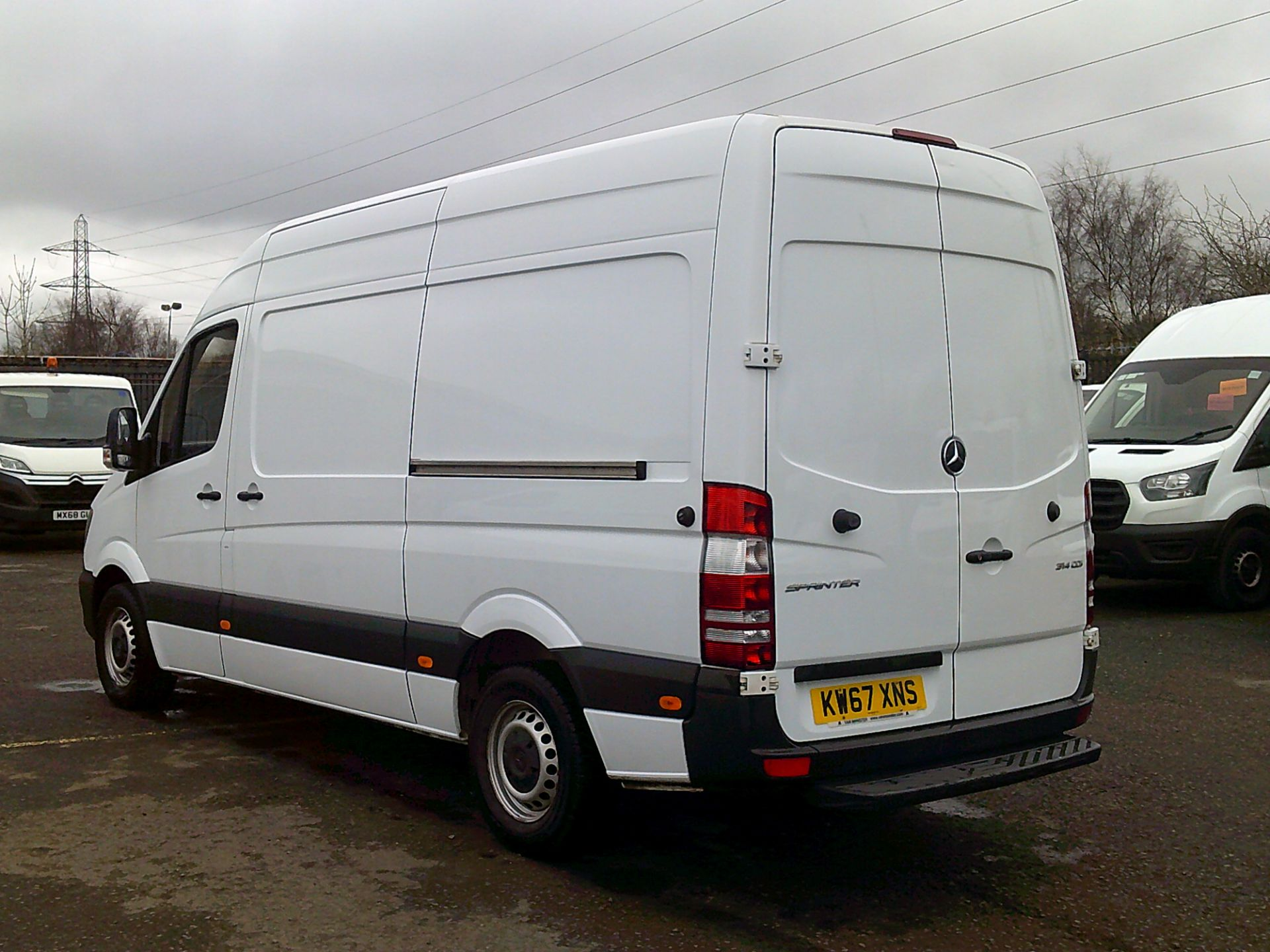2018 Mercedes-Benz Sprinter 3.5T High Roof Van *SPEED RESTRICTED TO 72 MPH* (KW67XNS) Image 9