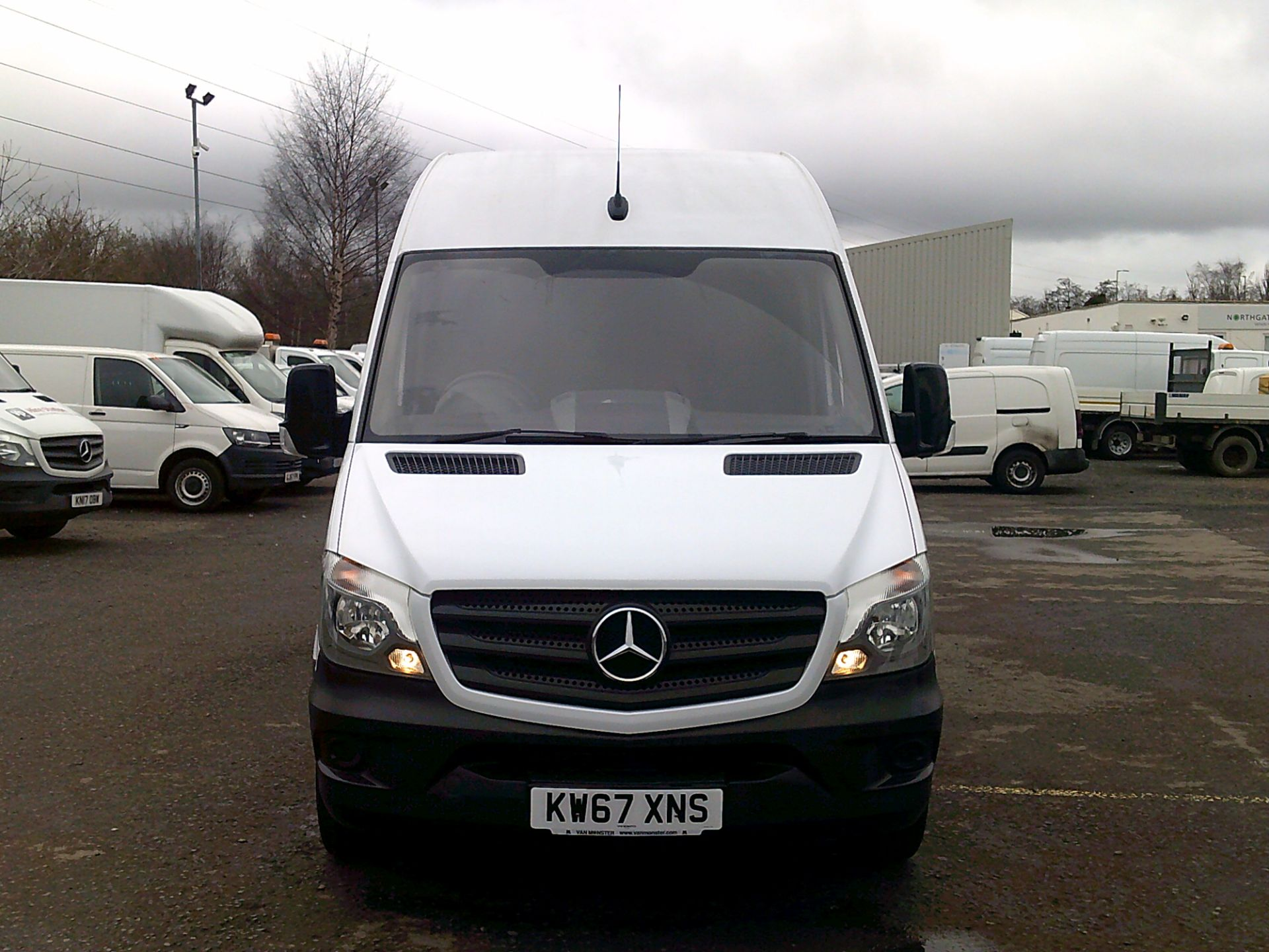 2018 Mercedes-Benz Sprinter 3.5T High Roof Van *SPEED RESTRICTED TO 72 MPH* (KW67XNS) Image 2