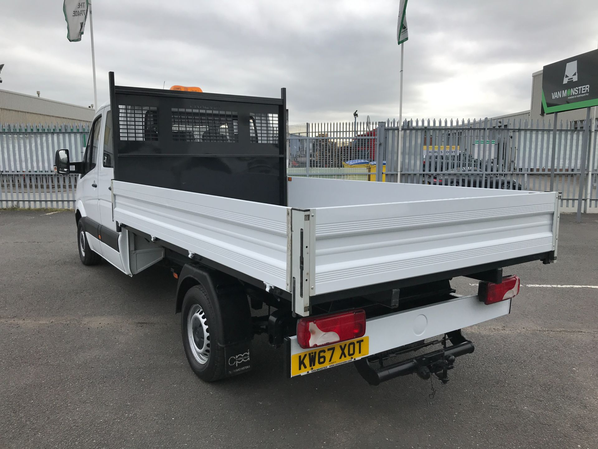 2018 Mercedes-Benz Sprinter 314CDI DOUBLE CAB TIPPER 140PS EURO 6 (KW67XOT) Image 11