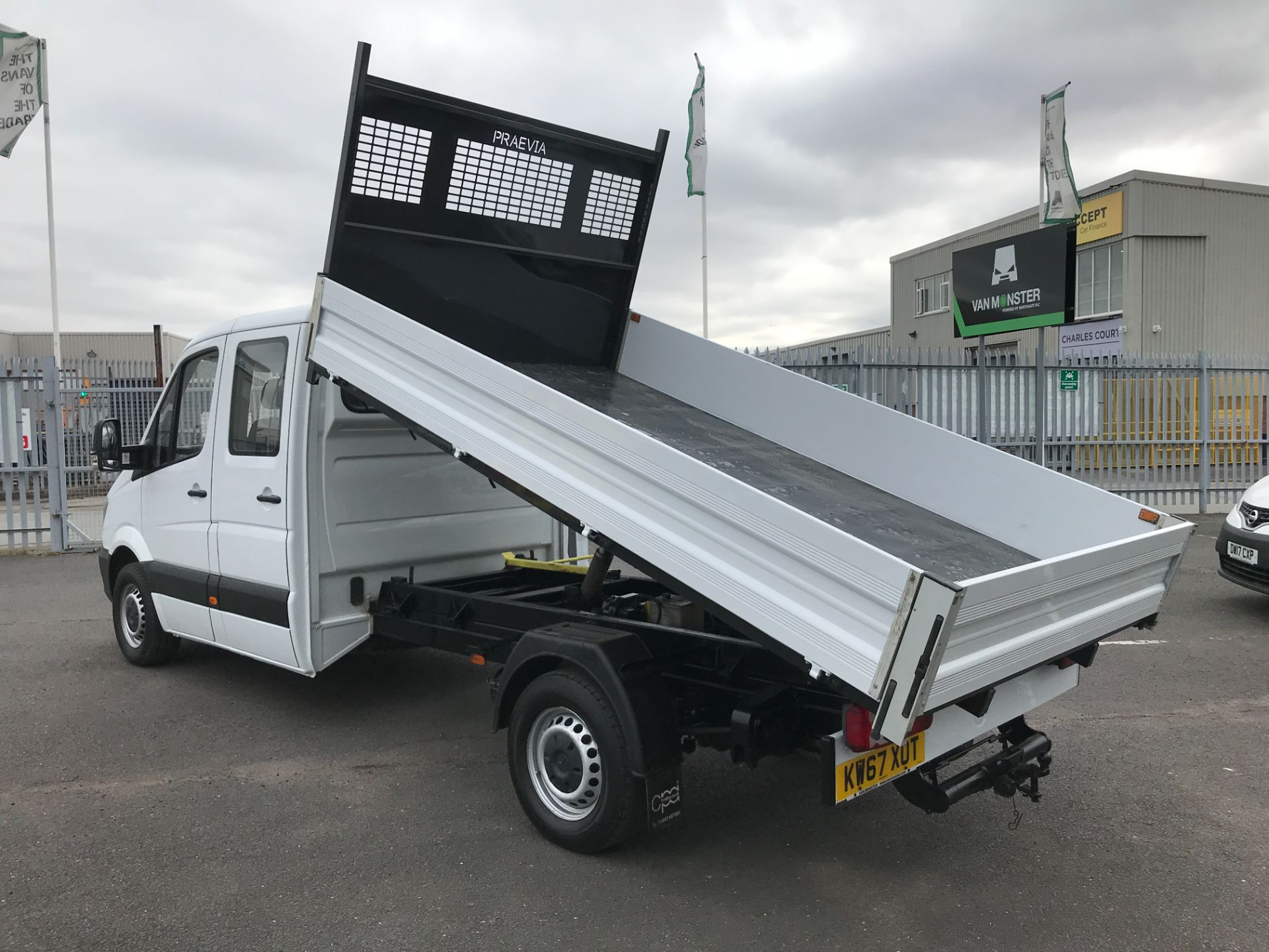 2018 Mercedes-Benz Sprinter 314CDI DOUBLE CAB TIPPER 140PS EURO 6 (KW67XOT) Image 24