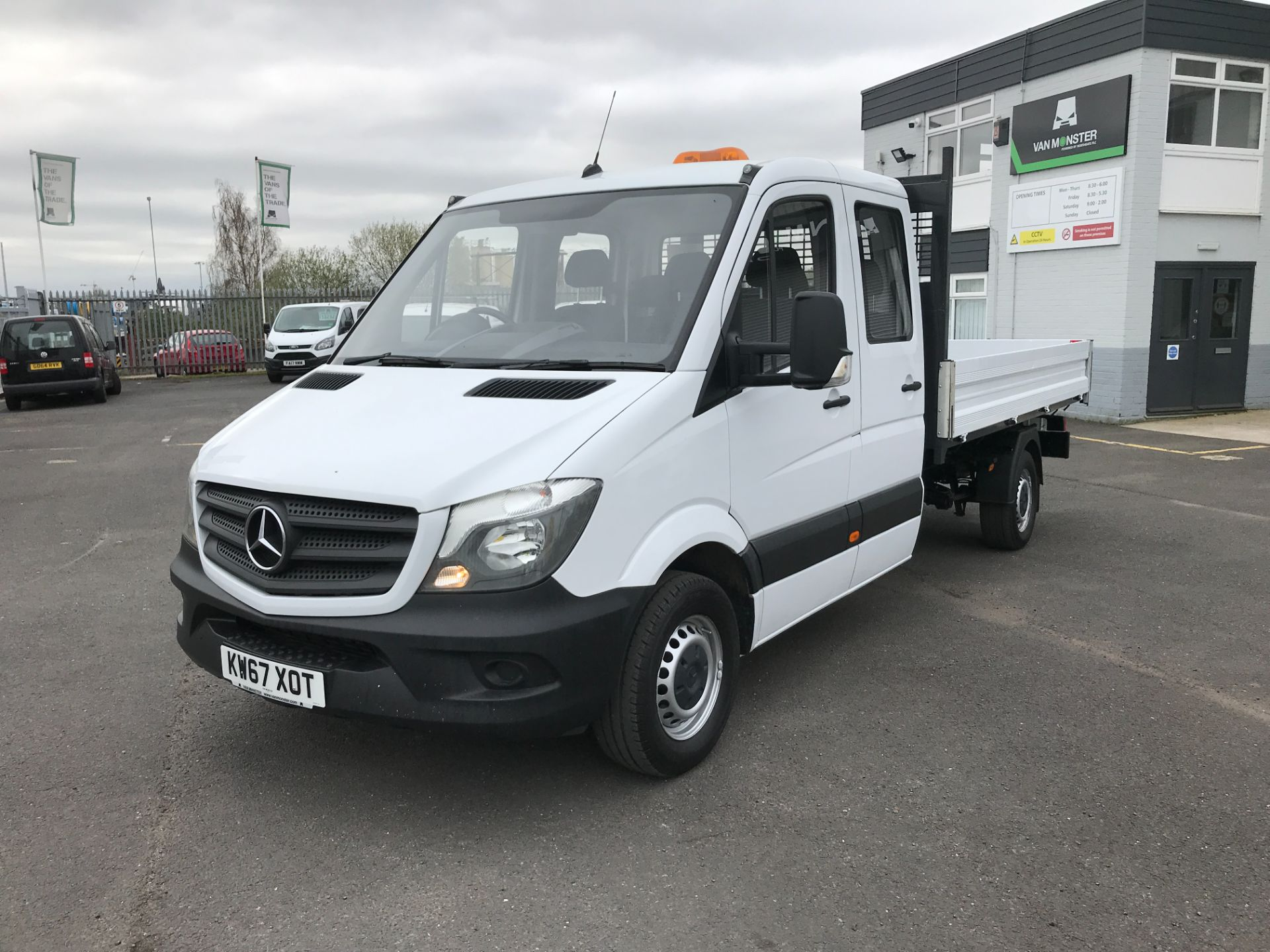 2018 Mercedes-Benz Sprinter 314CDI DOUBLE CAB TIPPER 140PS EURO 6 (KW67XOT) Image 14