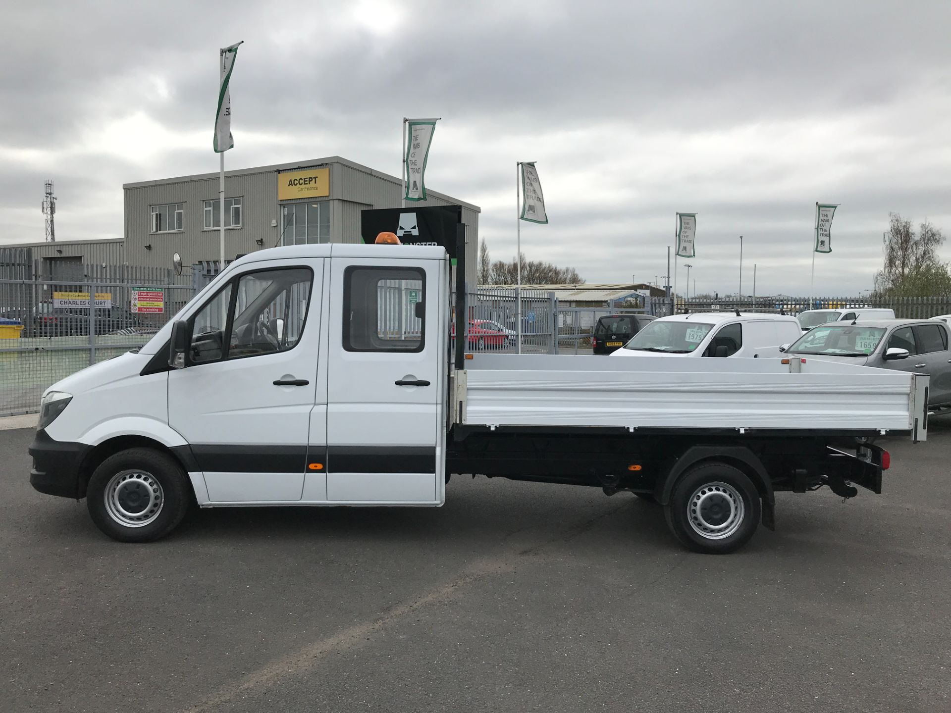 2018 Mercedes-Benz Sprinter 314CDI DOUBLE CAB TIPPER 140PS EURO 6 (KW67XOT) Image 12
