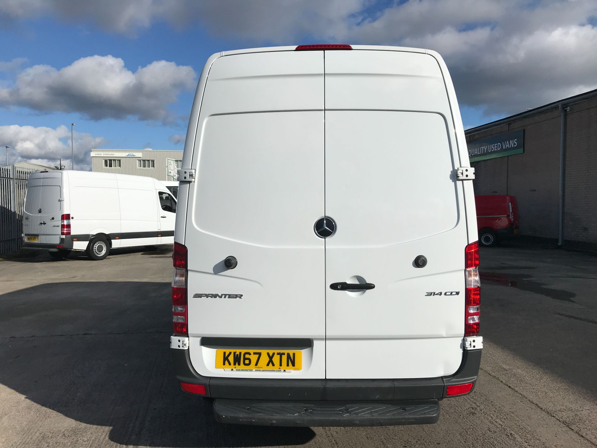 2018 Mercedes-Benz Sprinter 314CDI MWB HIGH ROOF 140PS EURO 6 (KW67XTN) Image 9