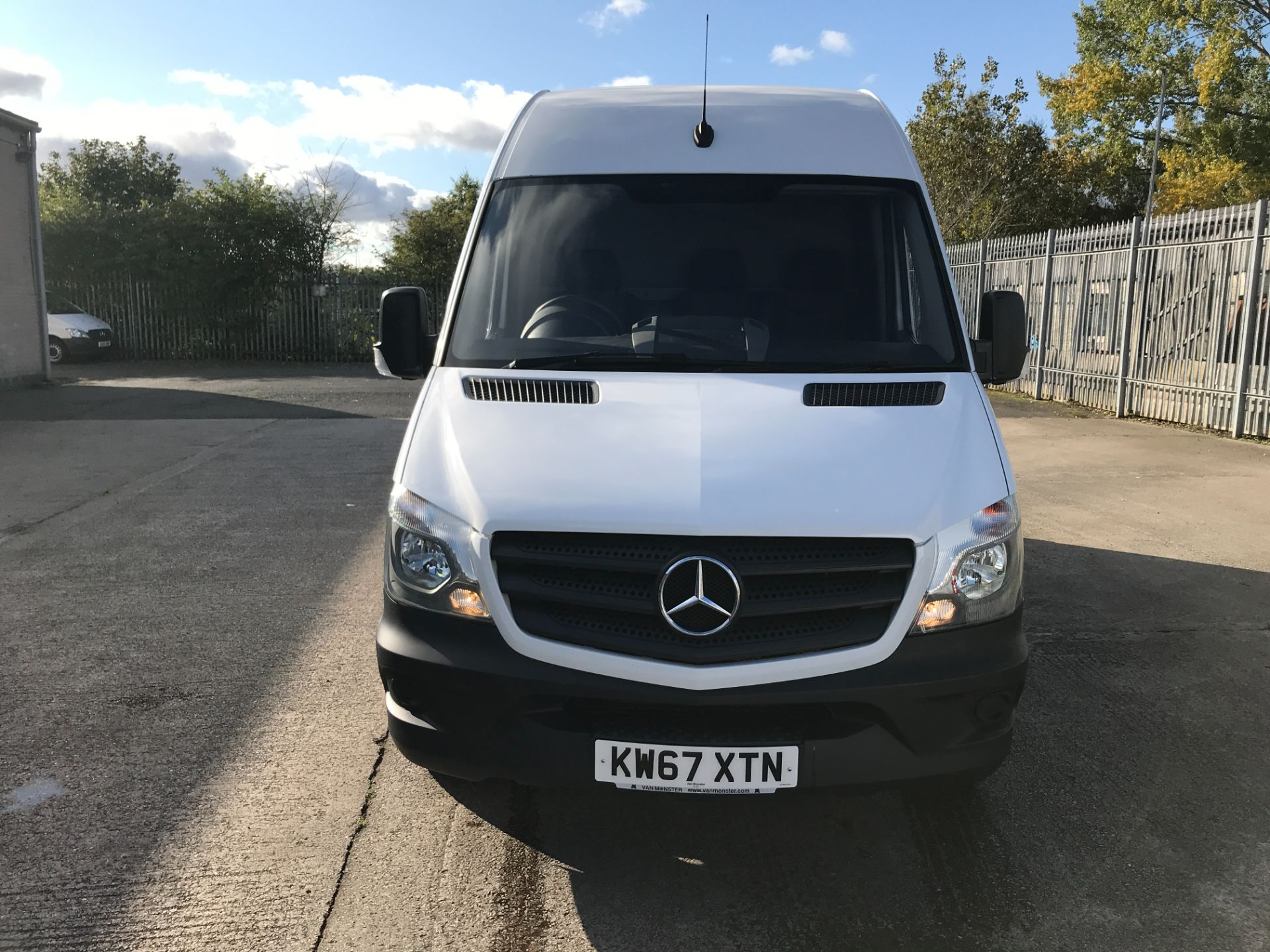 2018 Mercedes-Benz Sprinter 314CDI MWB HIGH ROOF 140PS EURO 6 (KW67XTN) Image 14