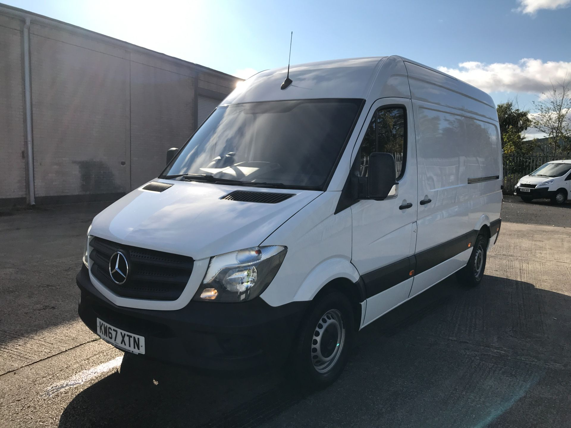 2018 Mercedes-Benz Sprinter 314CDI MWB HIGH ROOF 140PS EURO 6 (KW67XTN) Image 13