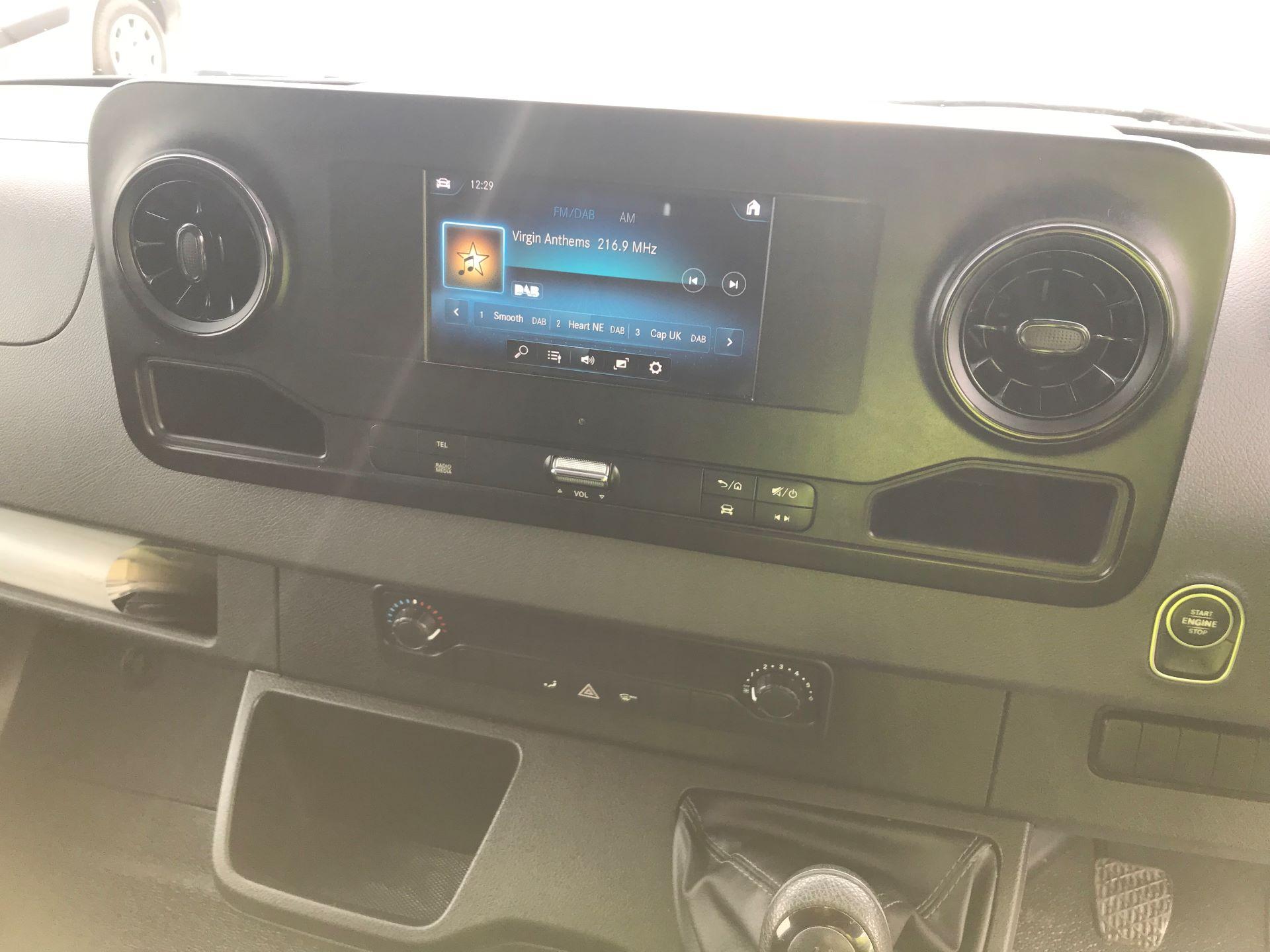 2018 Mercedes-Benz Sprinter 3.5T H2 Van (KX18AGB) Image 17