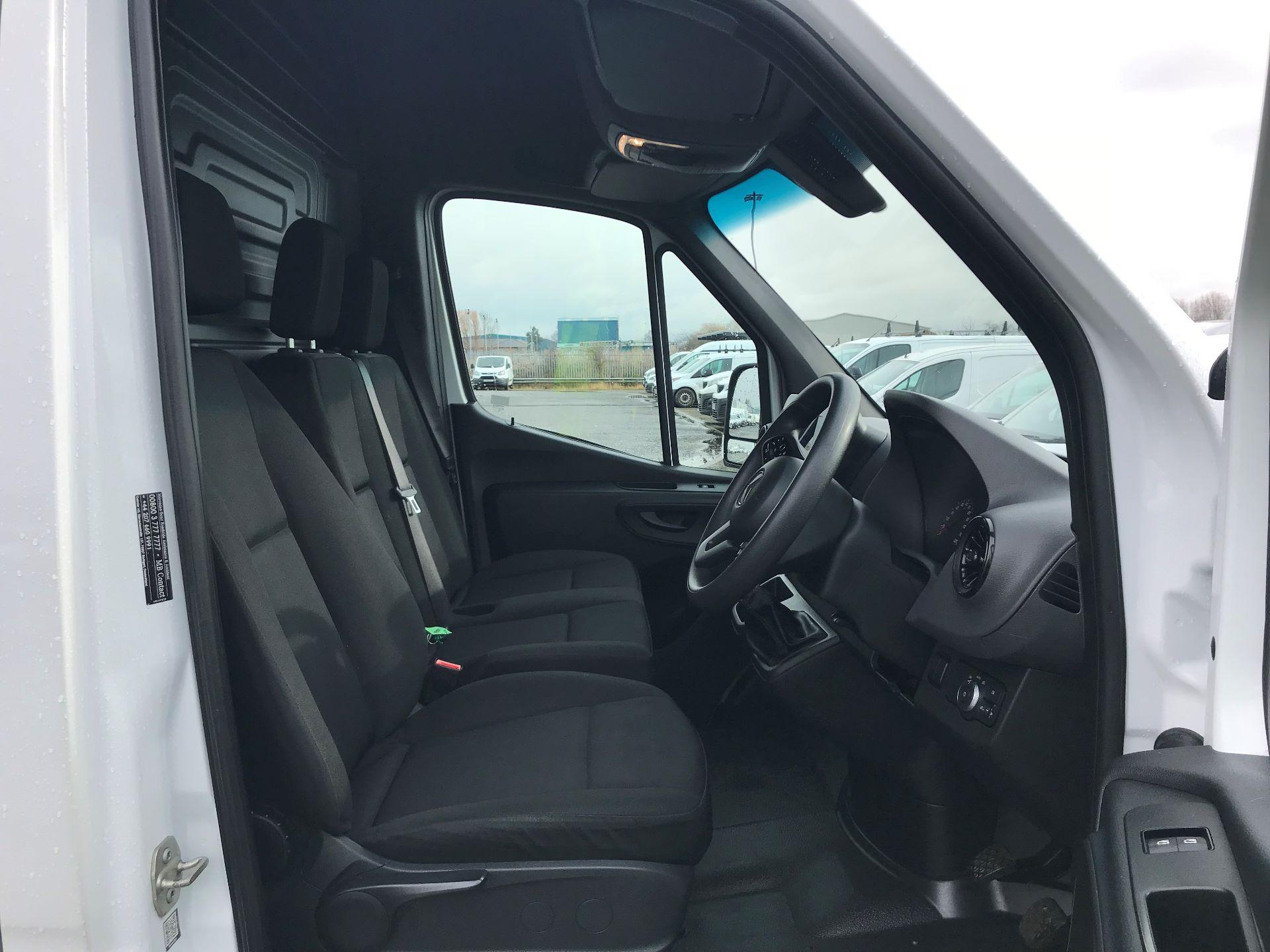 2018 Mercedes-Benz Sprinter 3.5T H2 Van (KX18AGB) Image 15
