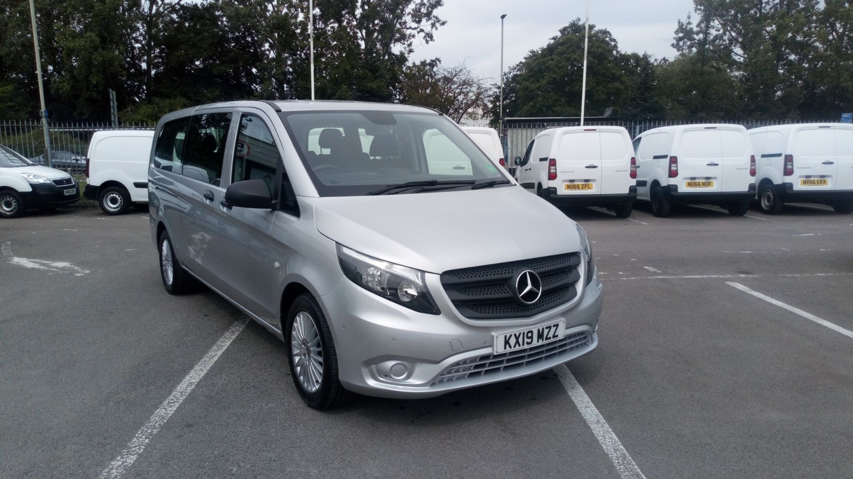 2019 Mercedes-Benz Vito 119 Bluetec Tourer Select 7-Gtronic 9 Seats Euro 6 (KX19MZZ)