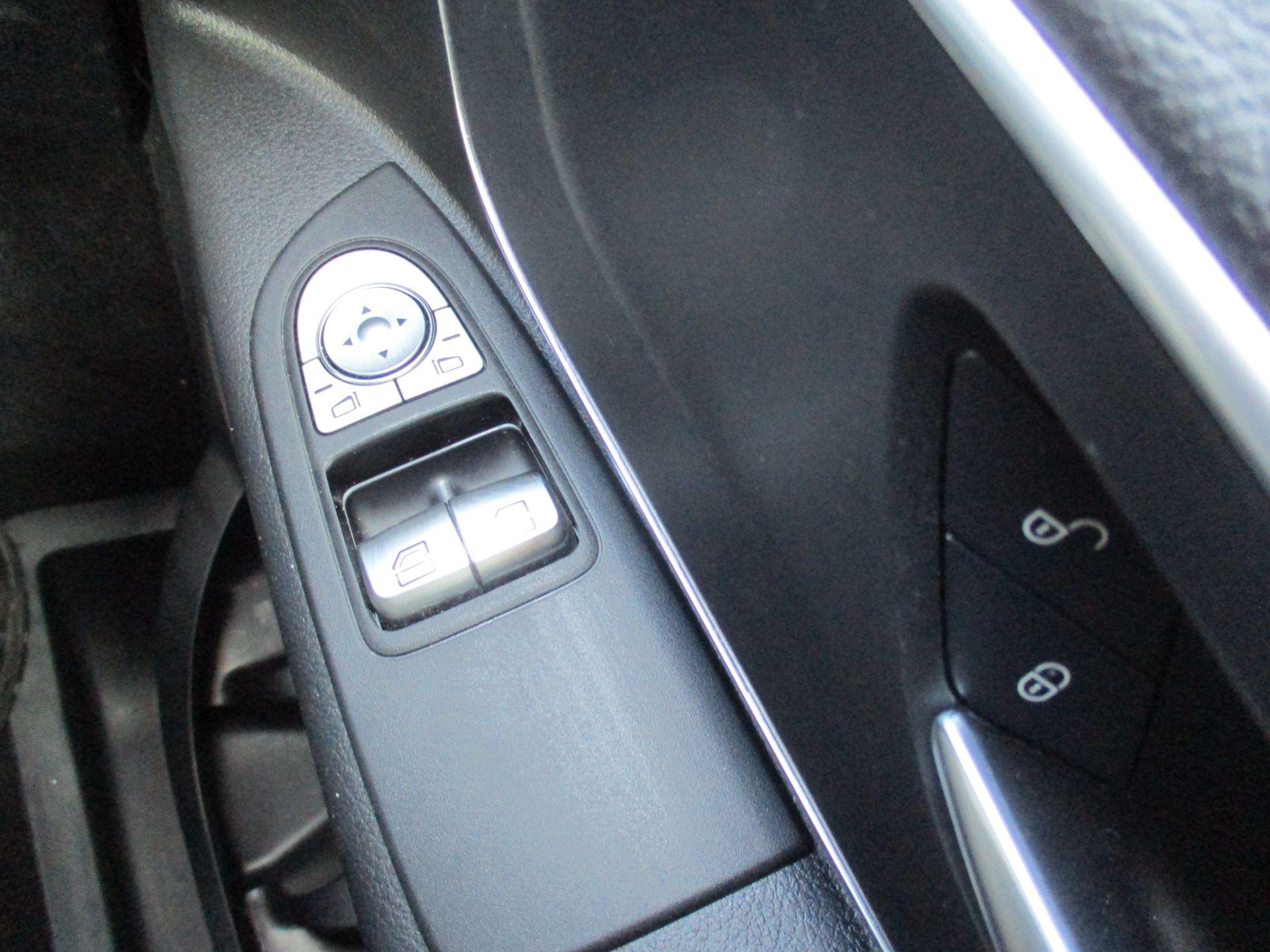 2019 Mercedes-Benz Vito 119 Bluetec Tourer Select 7-Gtronic 9 Seats Euro 6 (KX19RZG) Image 20