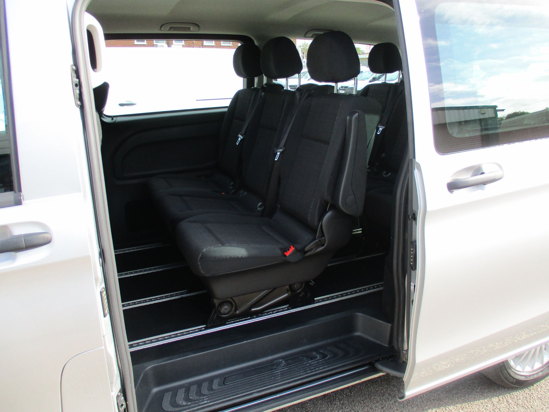 2019 Mercedes-Benz Vito 119 Bluetec Tourer Select 7-Gtronic 9 Seats Euro 6 (KX19RZG) Image 13