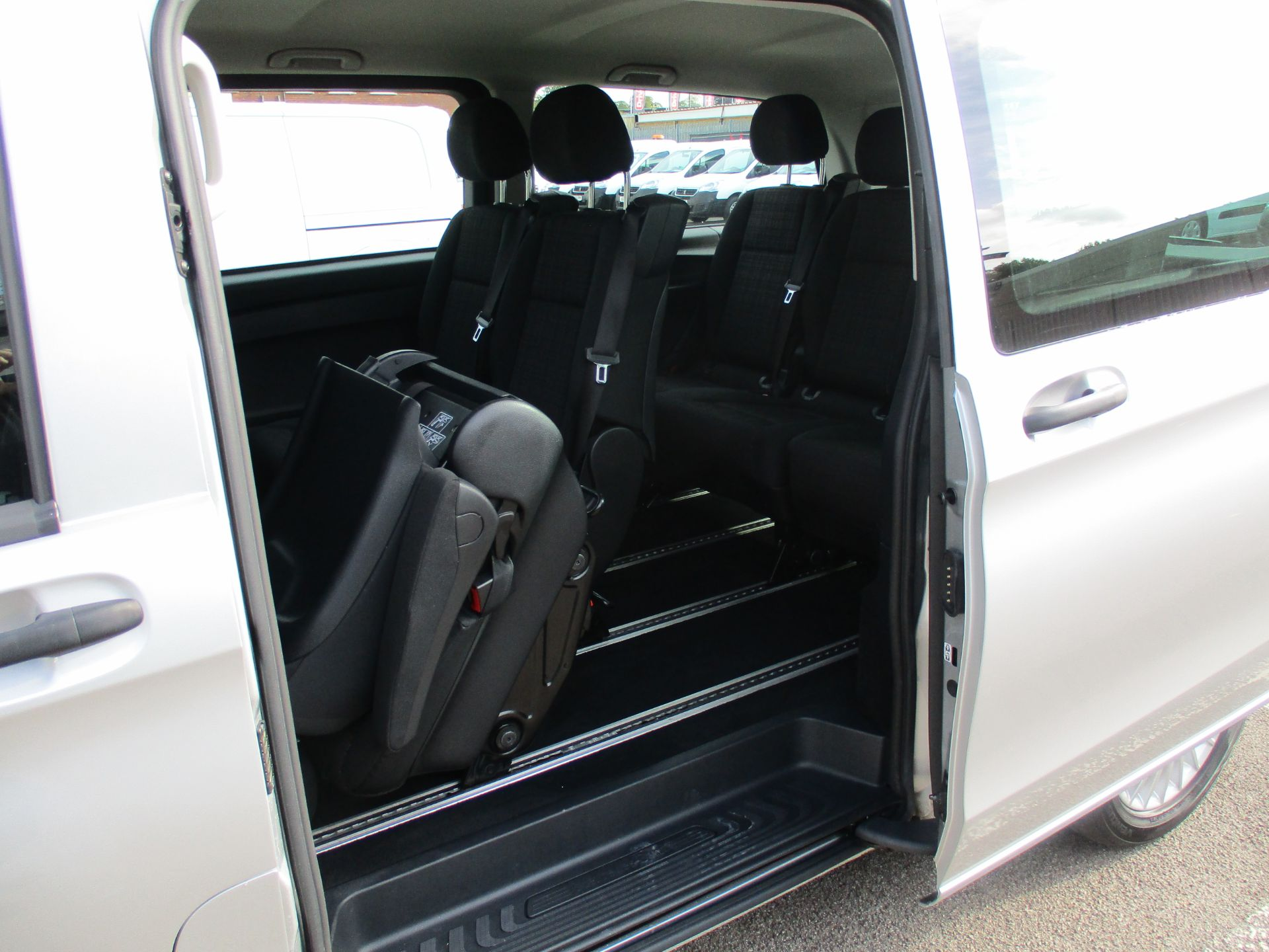 2019 Mercedes-Benz Vito 119 Bluetec Tourer Select 7-Gtronic 9 Seats Euro 6 (KX19RZG) Image 14