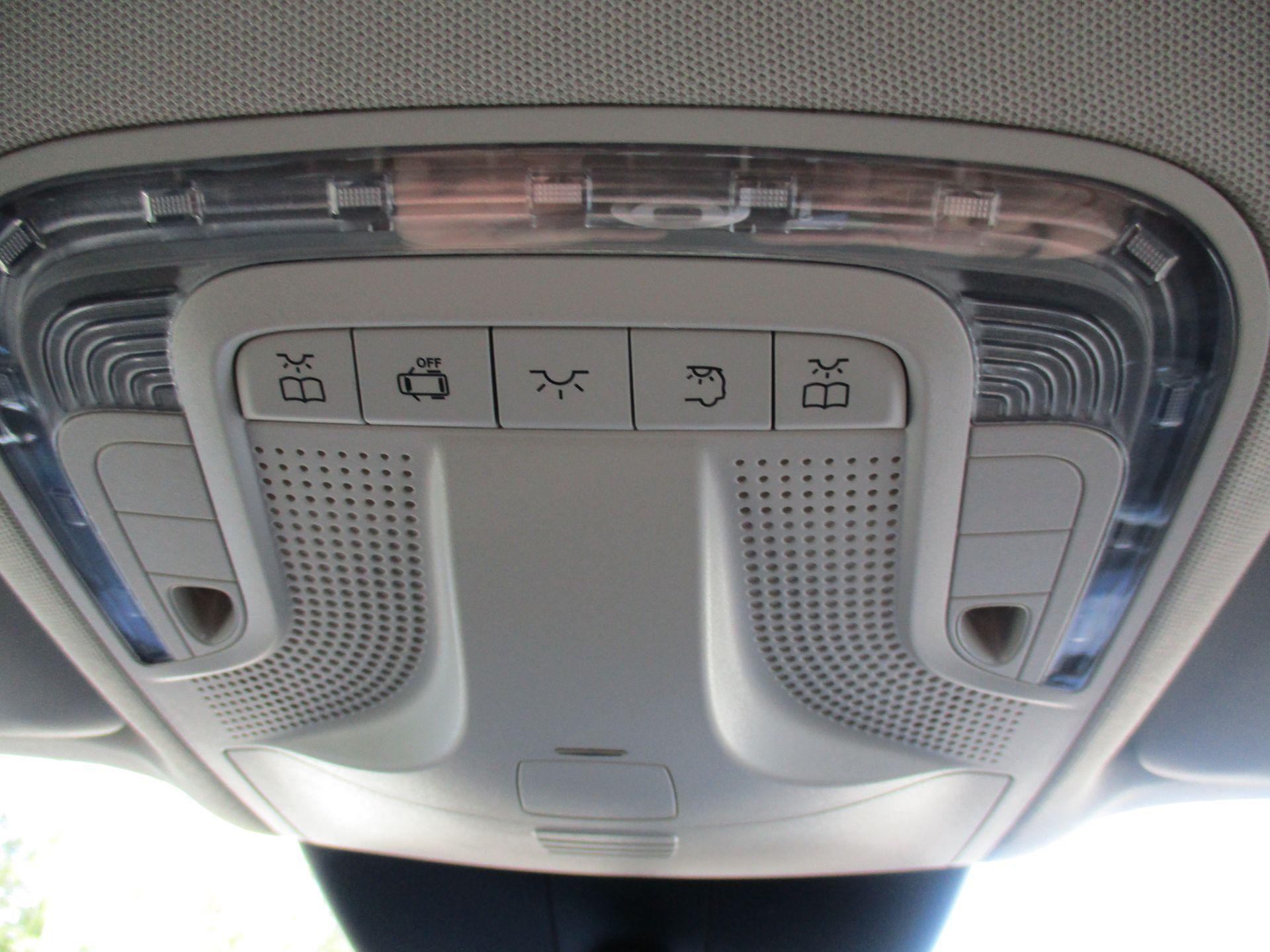 2019 Mercedes-Benz Vito 119 Bluetec Tourer Select 7-Gtronic 9 Seats Euro 6 (KX19RZS) Image 28