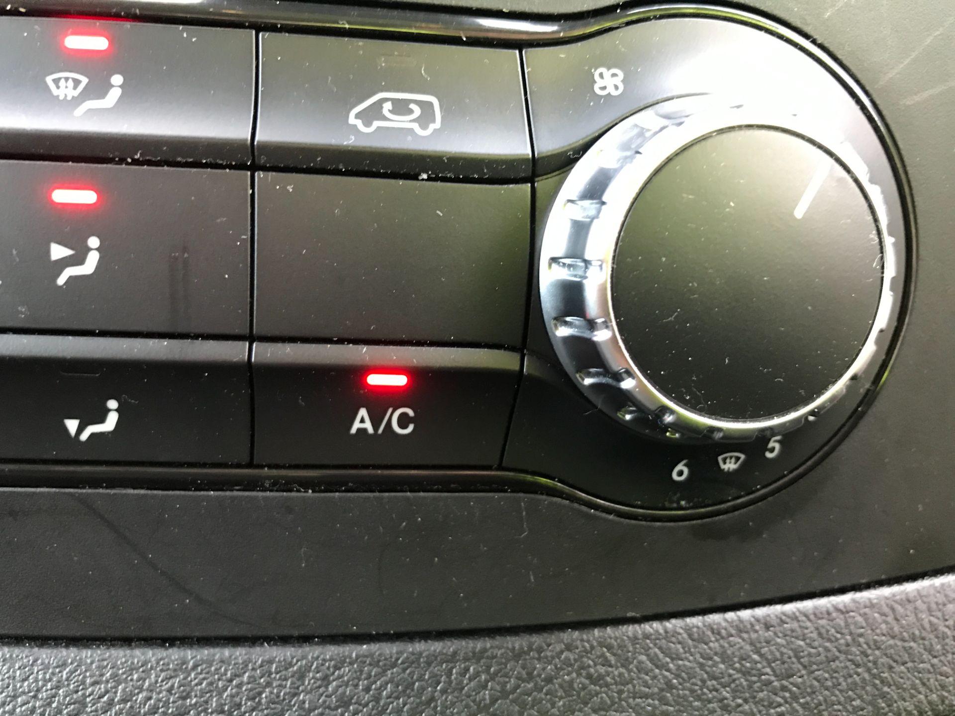2019 Mercedes-Benz Vito 119CDI XLWB BLUETEC TOURER SELECT EURO 6 AUTOMATIC (KX19SBU) Image 24