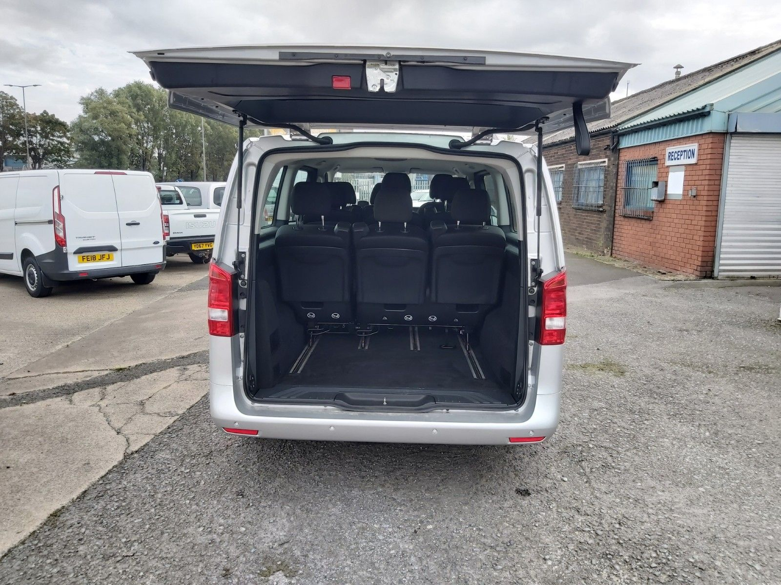 2019 Mercedes-Benz Vito 119 Cdi Select 8-Seater 7G-Tronic (KX19TVP) Image 12