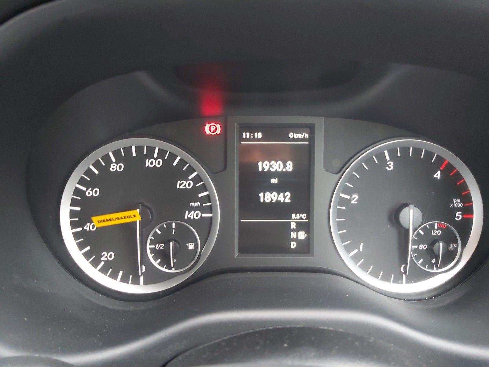 2019 Mercedes-Benz Vito 119 Cdi Select 8-Seater 7G-Tronic (KX19TVP) Image 16